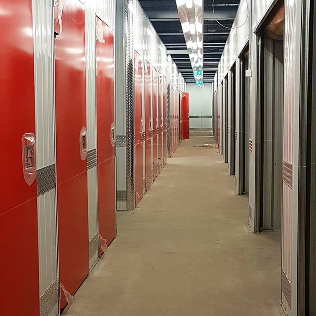 We have lights, we are on the home run #keepgoing #keeppositive #worklife #workethic #constructionlife #wrkwrkwrk #everytooleverytrade #endofday #storage #selfstorage #red #neatwork #shiny #new