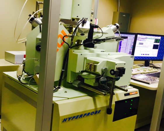 Electron microprobe for analyzing major elements at Rice University