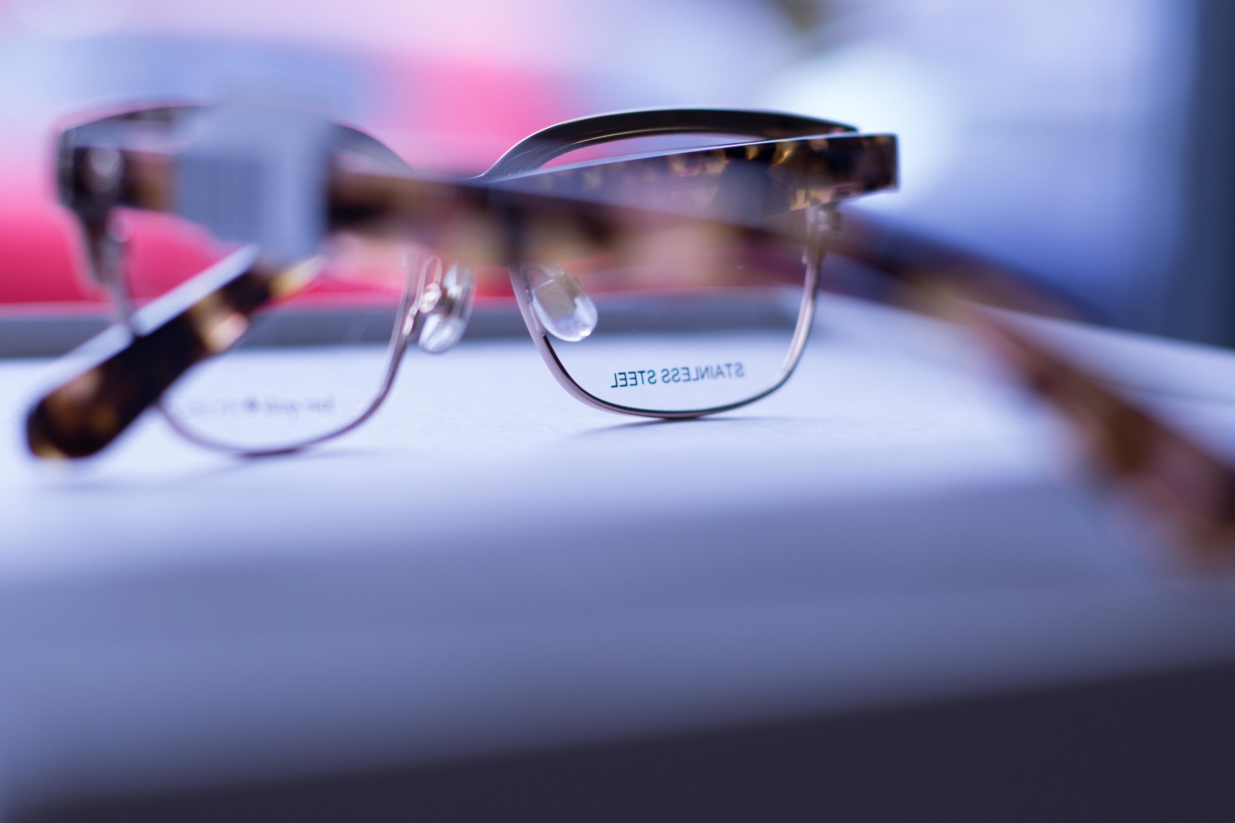 ICO_glasses1.jpg