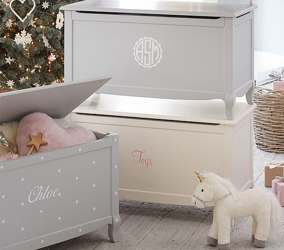 claudia toy chest