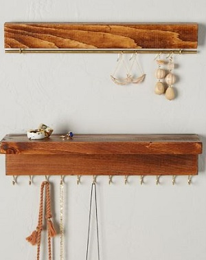 the knotted wood organizer