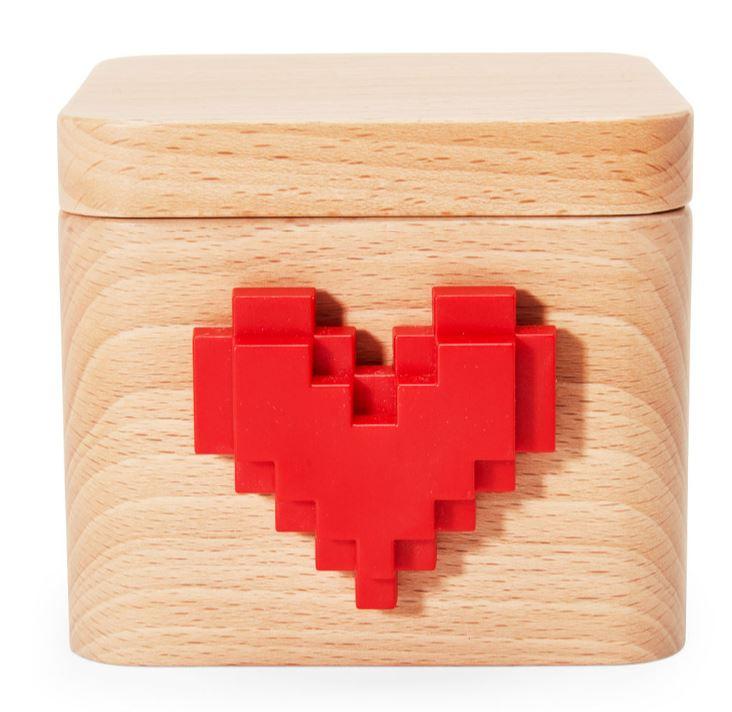 MOMA lovebox messenger