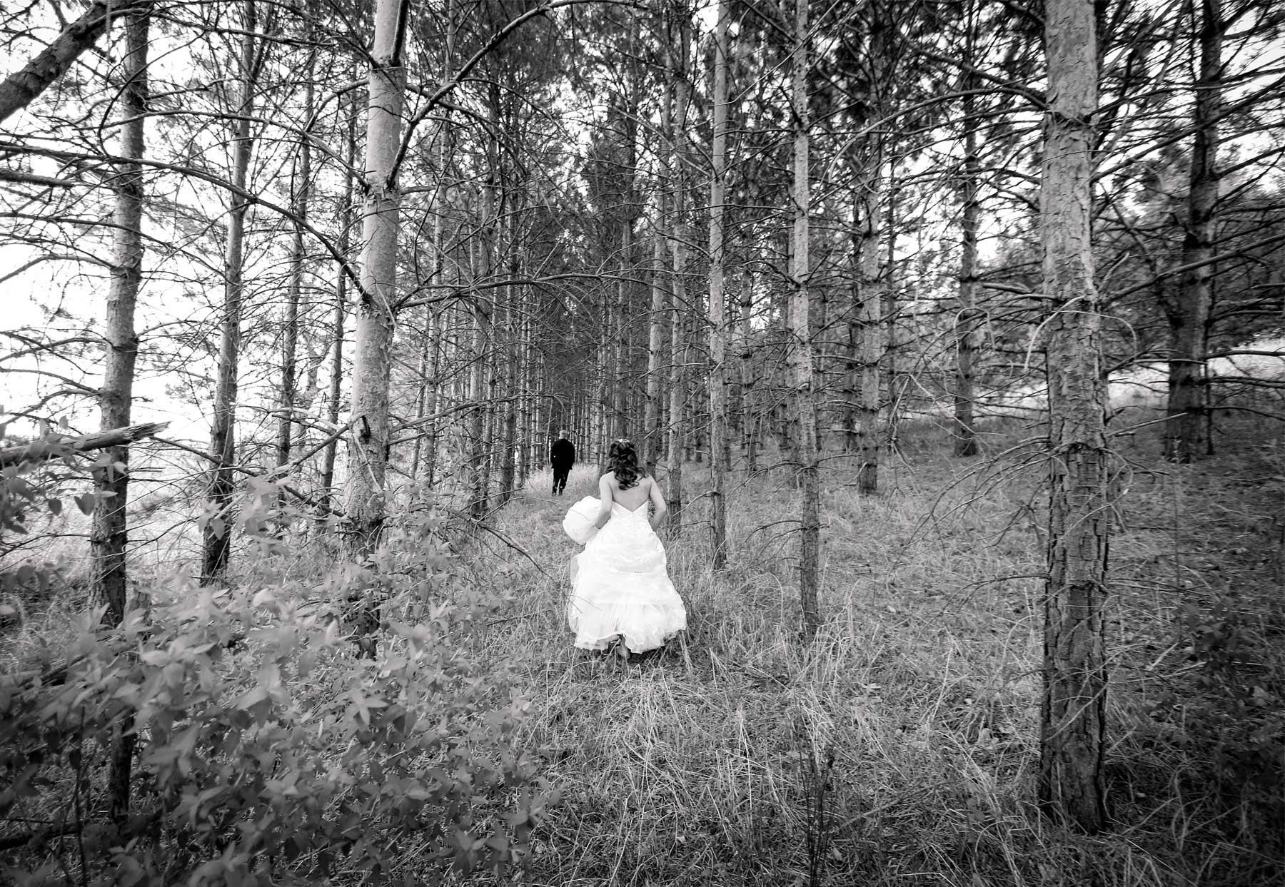 02-Minneapolis-Minnesota-Wedding-Photography-by-Vick-Photography-First-Look-Tianna-&-Matt.jpg