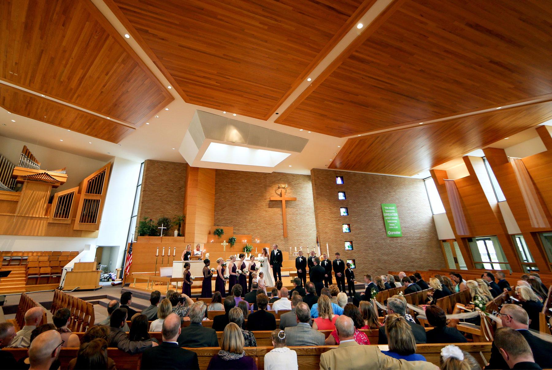 07-Minneapolis-Minnesota-Wedding-Photography-by-Vick-Photography-Ceremony-Woodbury-Lutheran-Church-Tianna-&-Matt.jpg