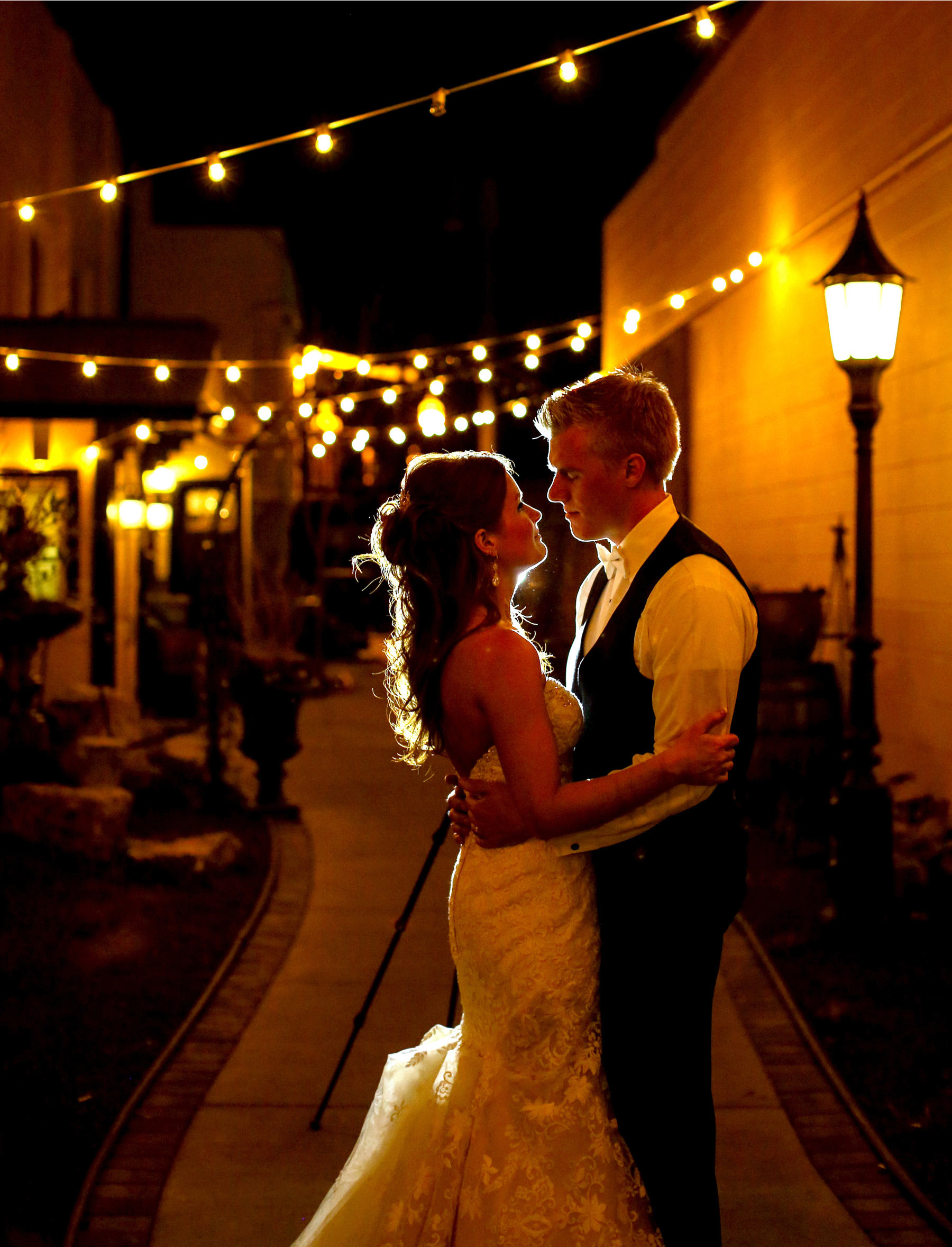 16-Minneapolis-Minnesota-Wedding-Photography-by-Vick-Photography-Reception-Kellermans-Event-Center-Tianna-&-Matt.jpg