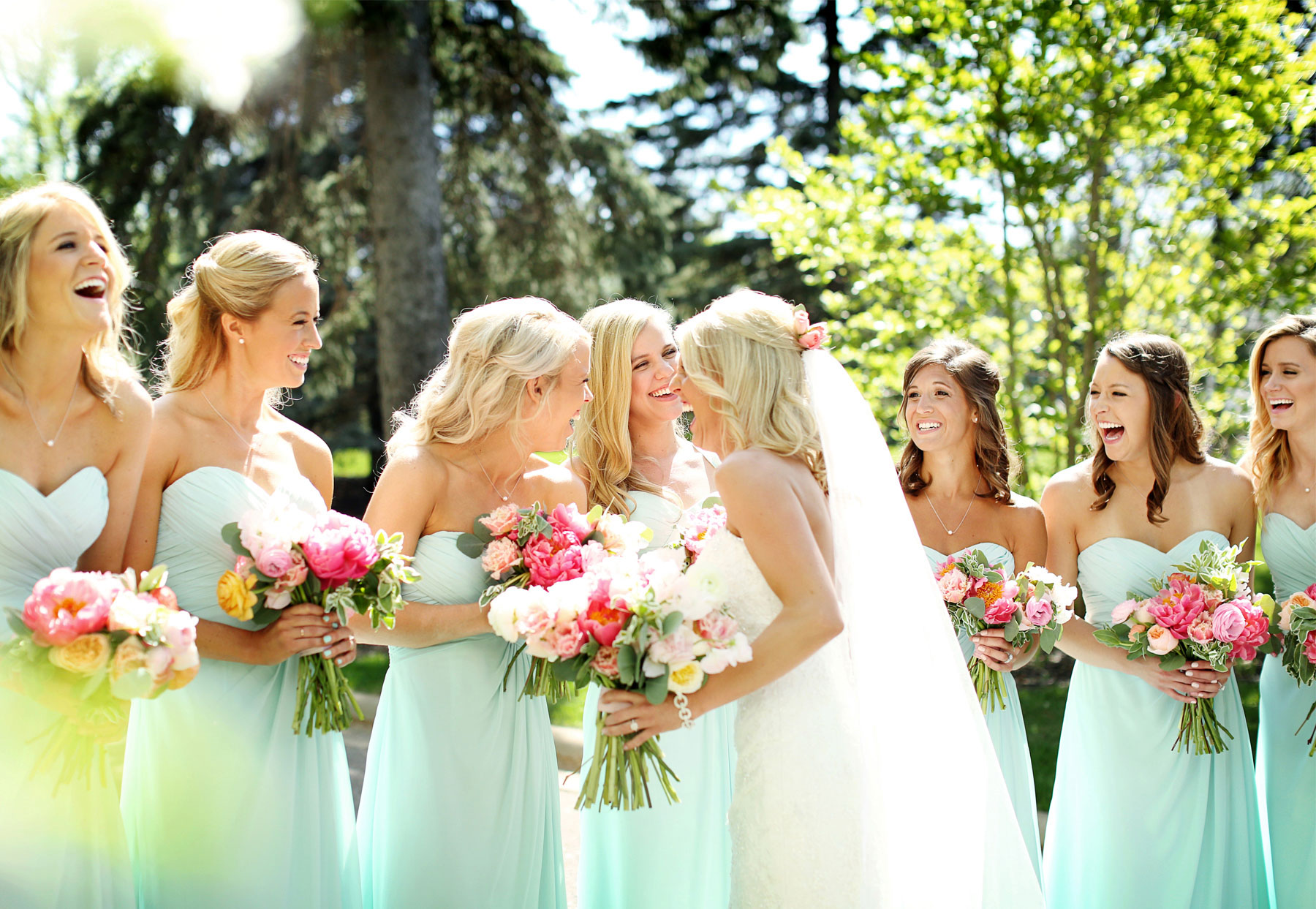 09-Minneapolis-Minnesota-Wedding-Photography-by-Vick-Photography-at-Minikahda-Country-Club-Bridesmaids-Sarah-&-Chad.jpg