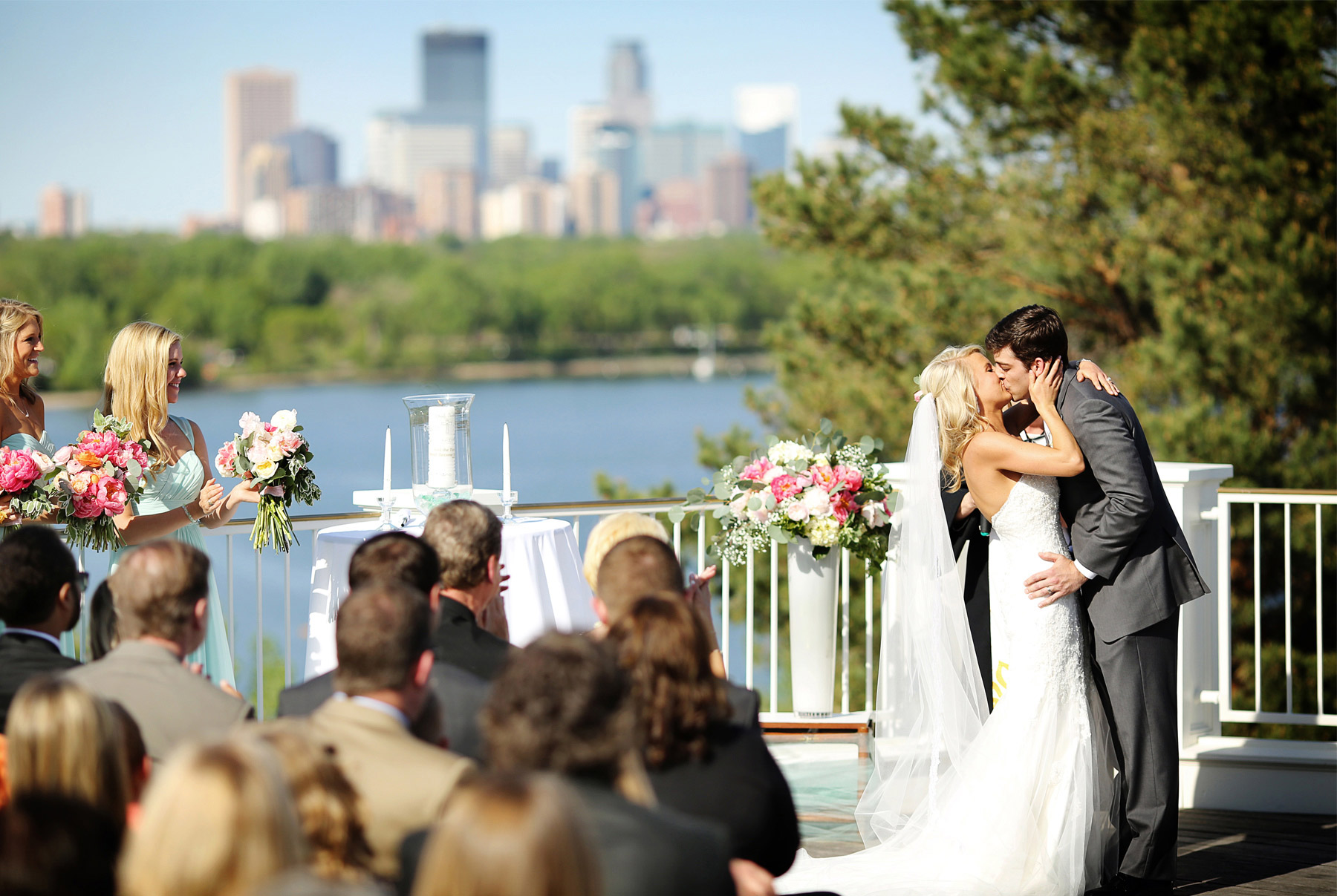 13-Minneapolis-Minnesota-Wedding-Photography-by-Vick-Photography-at-Minikahda-Country-Club-Outdoor-Ceremony-Sarah-&-Chad.jpg