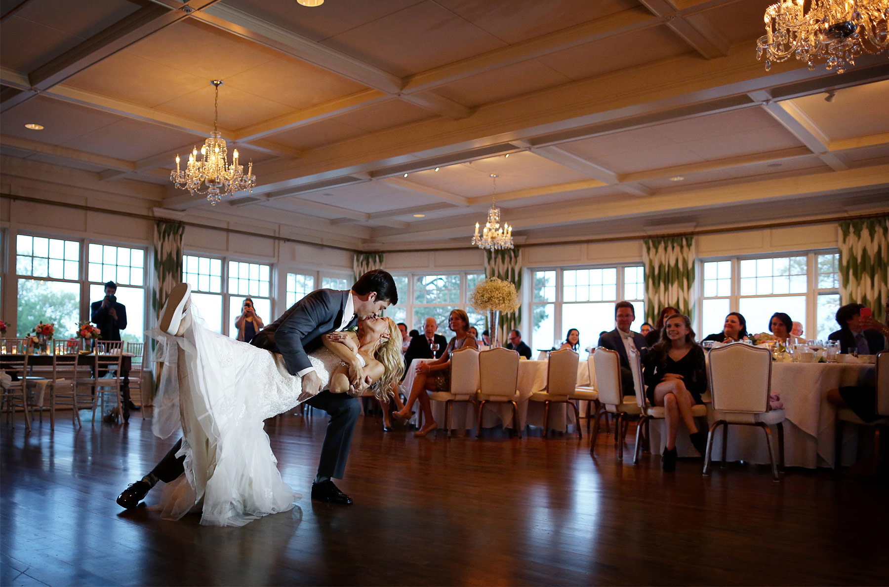 21-Minneapolis-Minnesota-Wedding-Photography-by-Vick-Photography-at-Minikahda-Country-Club-Reception-First-Dance-Sarah-&-Chad.jpg