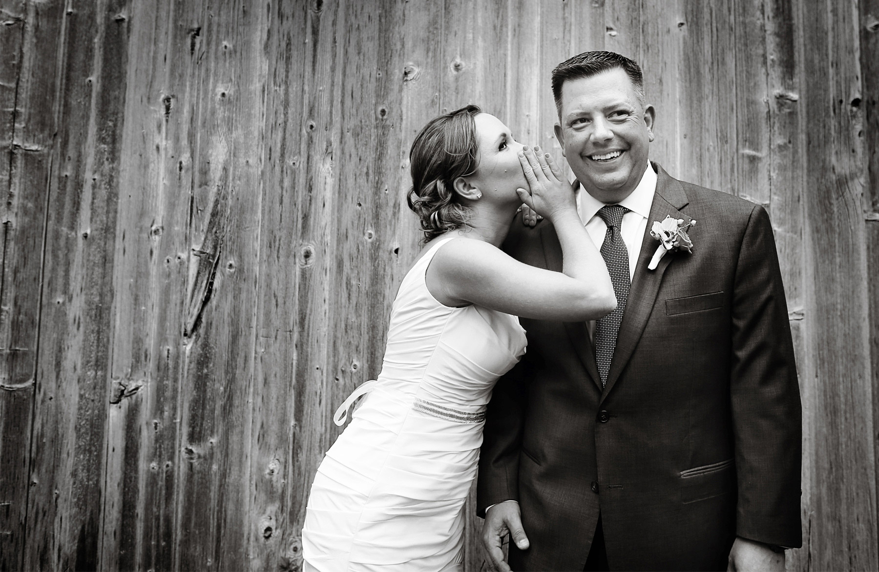08-Des-Moines-Iowa-Wedding-Photography-by-Vick-Photography-Farm-Wedding-First-Look-Barn-Lindsay-&-Chad.jpg