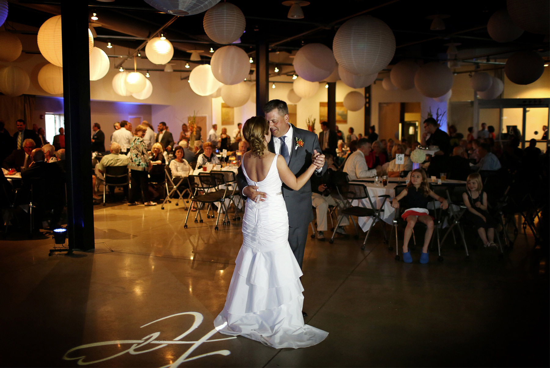 17-Des-Moines-Iowa-Wedding-Photography-by-Vick-Photography--Embassy-Club-West-Reception-First-Dance-Lindsay-&-Chad.jpg