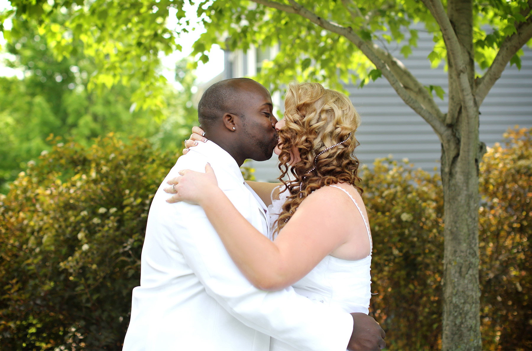 04-Minneapolis-Minnesota-Wedding-Photography-by-Vick-Photography-at-Plymouth-Creek-Center-First-Look-Emily-&-Lonnie.jpg