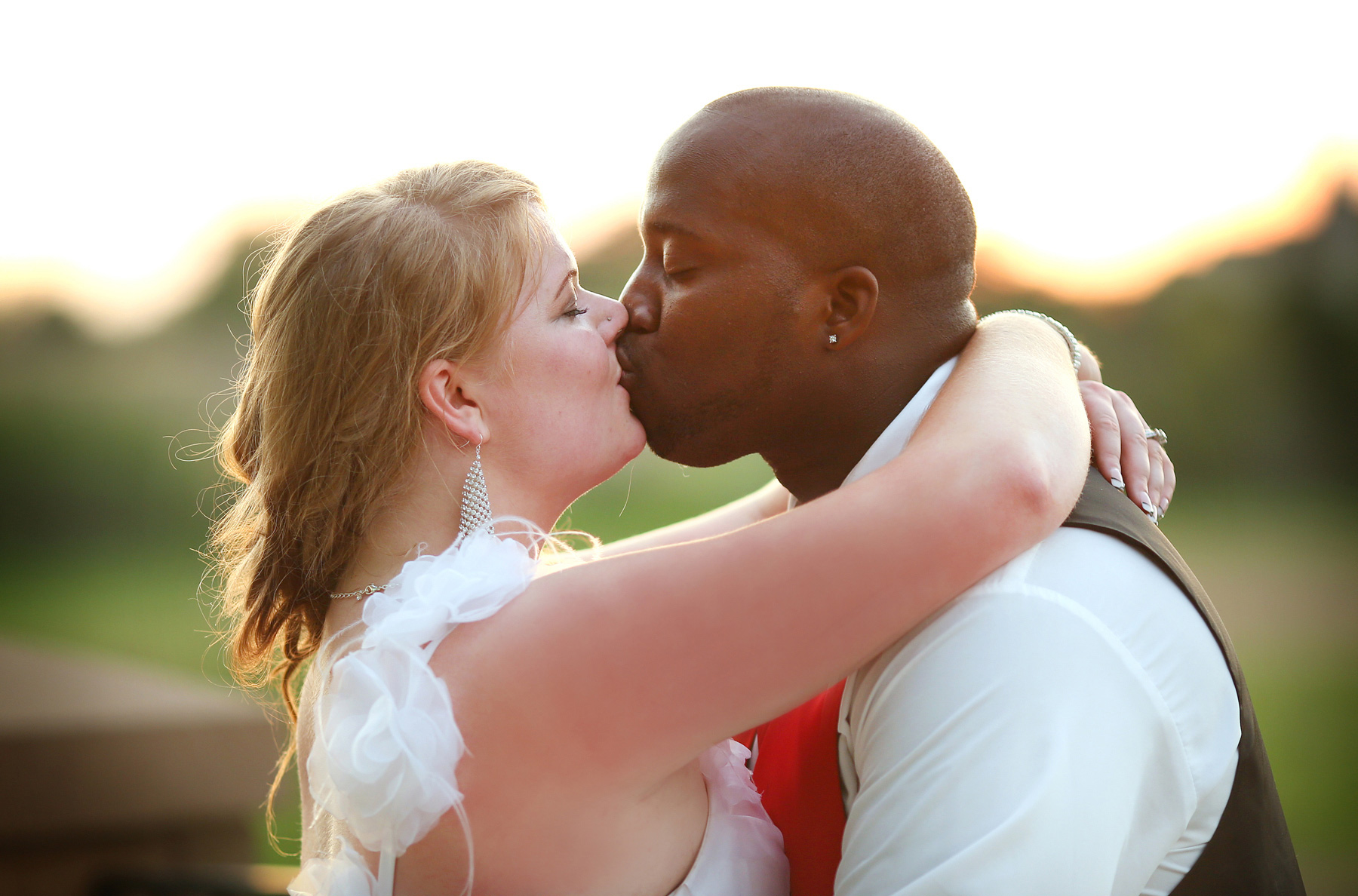 10-Minneapolis-Minnesota-Wedding-Photography-by-Vick-Photography-at-Plymouth-Creek-Center-Outdoor-Sunset-Emily-&-Lonnie.jpg