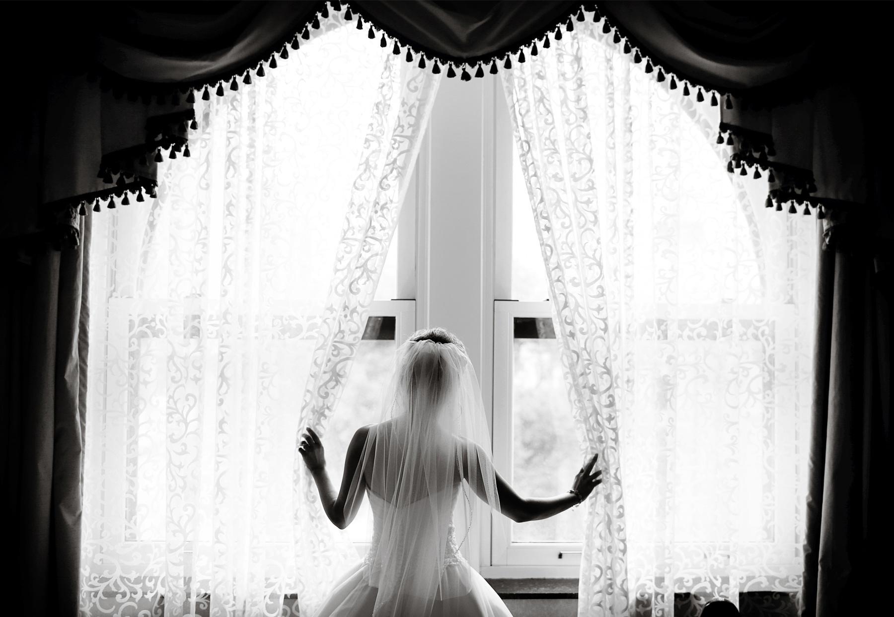 01-Minneapolis-Minnesota-Wedding-Photography-by-Vick-Photography-The-Depot-Bride-Dress-Courtney-&-John.jpg