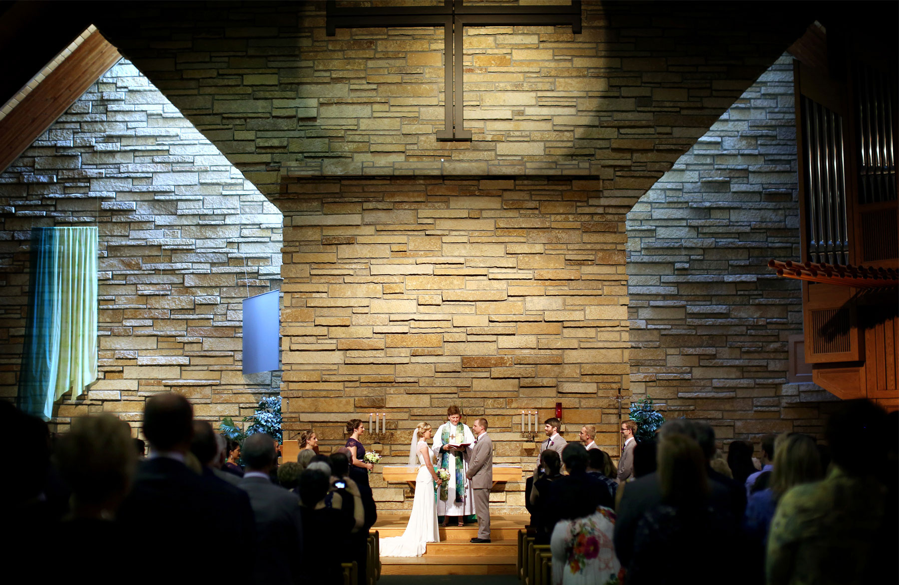 08-Minneapolis-MN-Wedding-Photography-by-Vick-Photography-Incarnation-Lutheran-Church-Ceremony-Alyssa-&-Blake.jpg