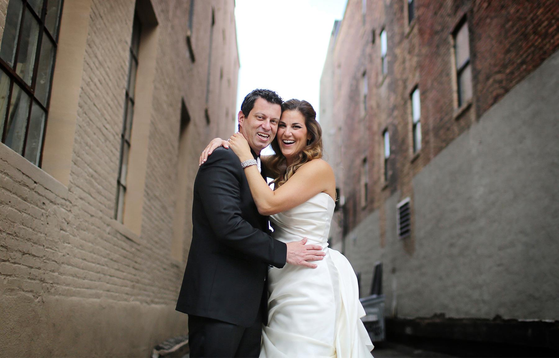 04-Minneapolis-Minnesota-Wedding-Photography-by-Vick-Photography-Aria-Downtown-First-Look-Layne-&-Dan.jpg