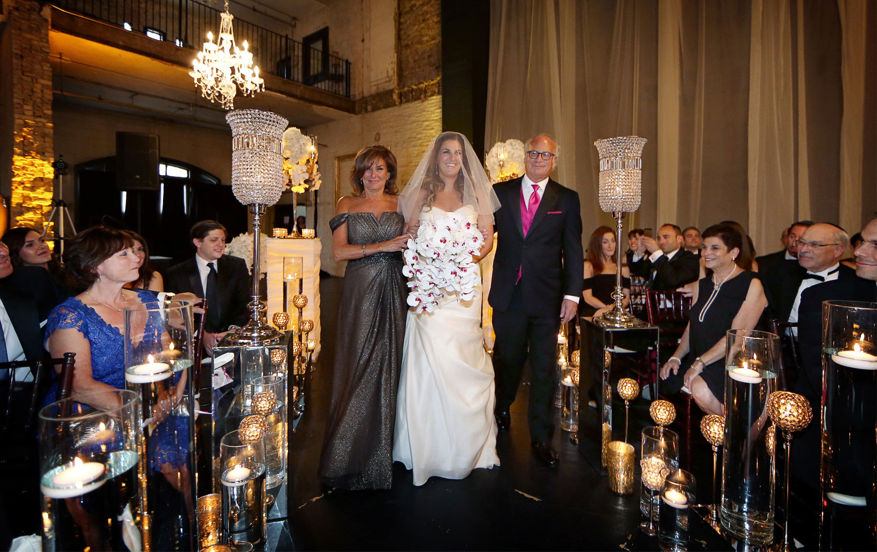 08-Minneapolis-Minnesota-Wedding-Photography-by-Vick-Photography-Aria-Downtown-Ceremony-Layne-&-Dan.jpg
