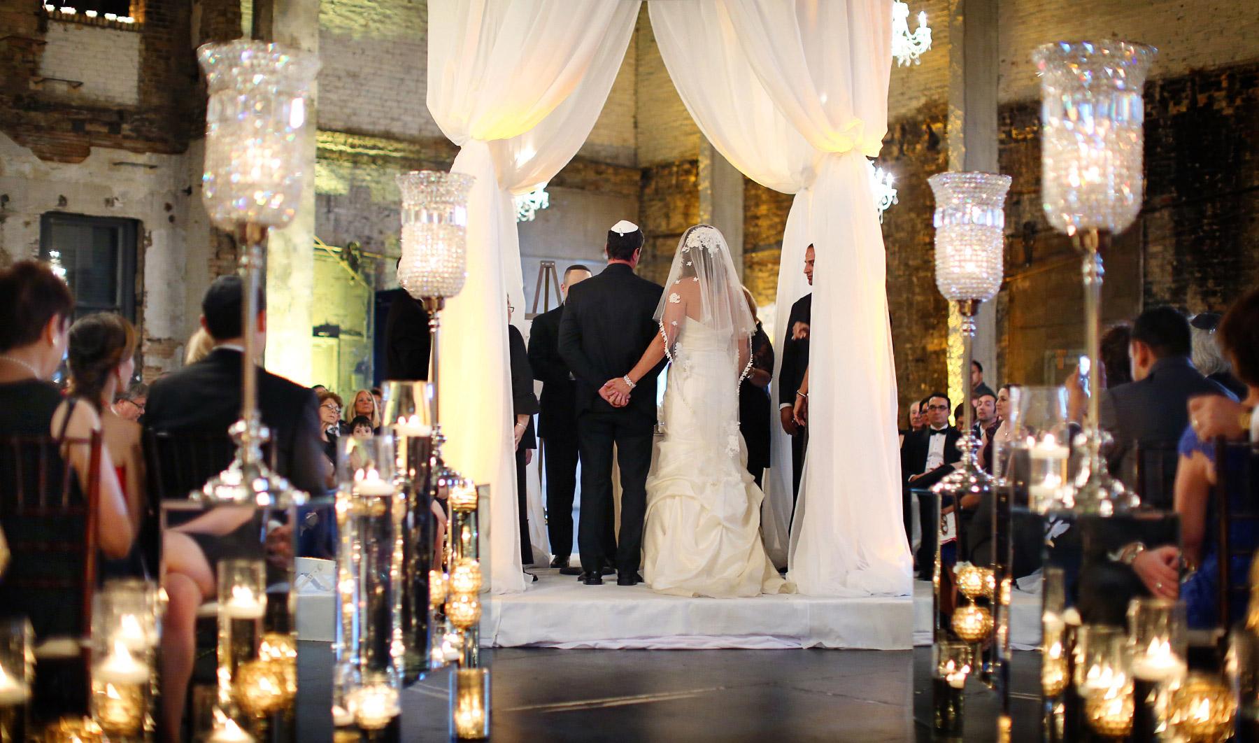 10-Minneapolis-Minnesota-Wedding-Photography-by-Vick-Photography-Aria-Downtown-Ceremony-Layne-&-Dan.jpg