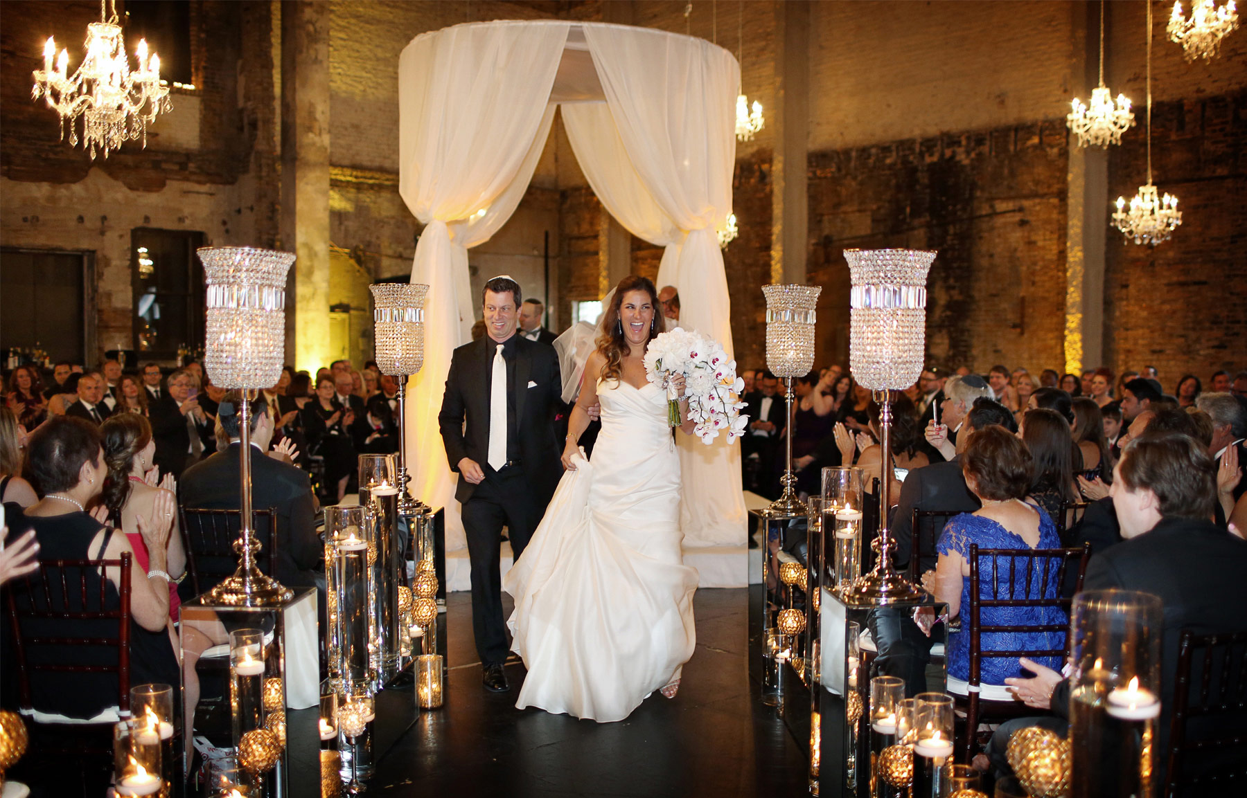 12-Minneapolis-Minnesota-Wedding-Photography-by-Vick-Photography-Aria-Downtown-Ceremony-Layne-&-Dan.jpg