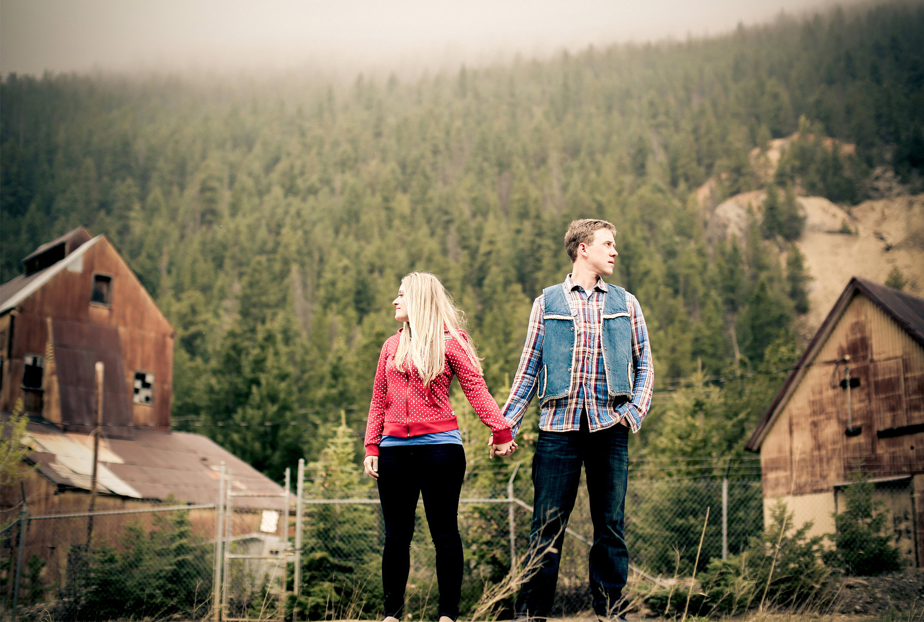 03-Denver-Colorado-Vail-Engagement-Photography-by-Vick-Photography-Winter-Engagement-Rustic-Mountains-Lucy-&-Matt.jpg