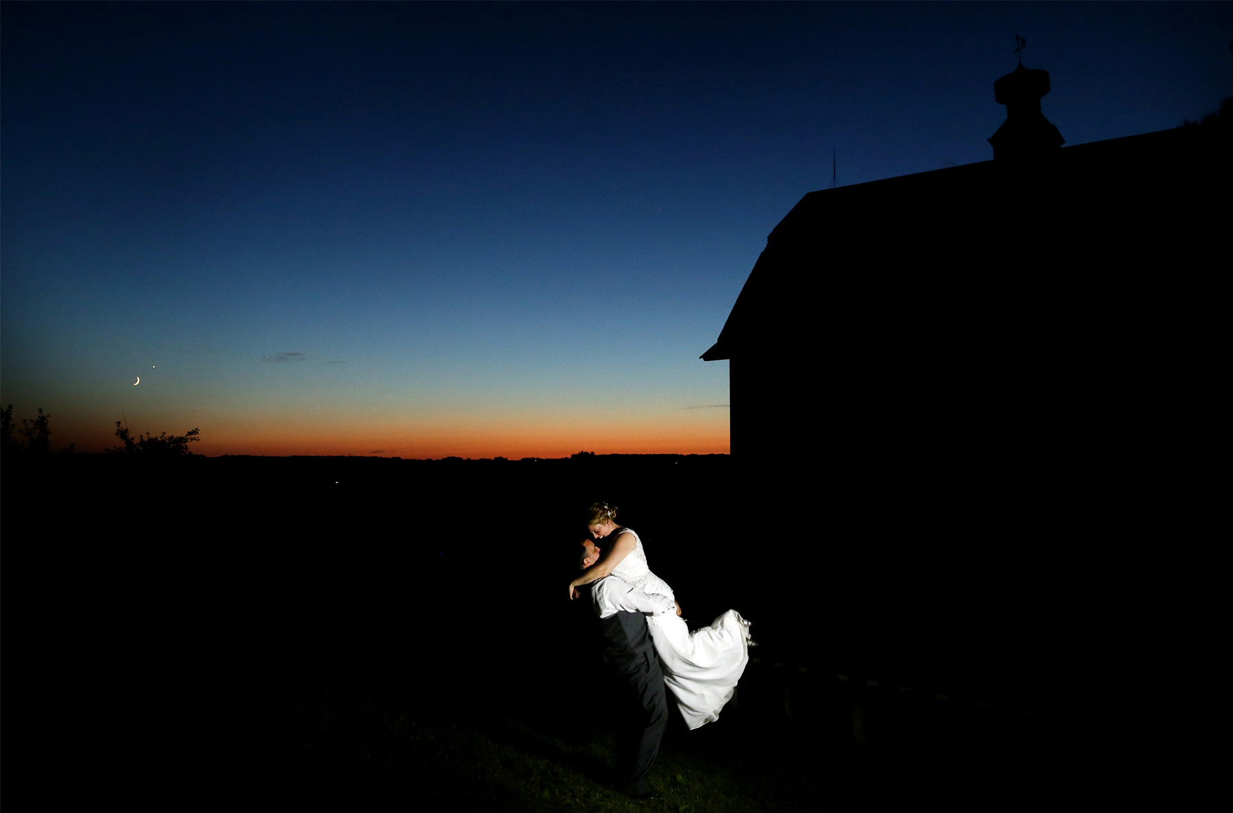 19-Minneapolis-Minnesota-Wedding-Photography-by-Vick-Photography-Minnesota-Harvest-Apple-Orchard-Night-Photography-Emilie-&-Giovanni.jpg