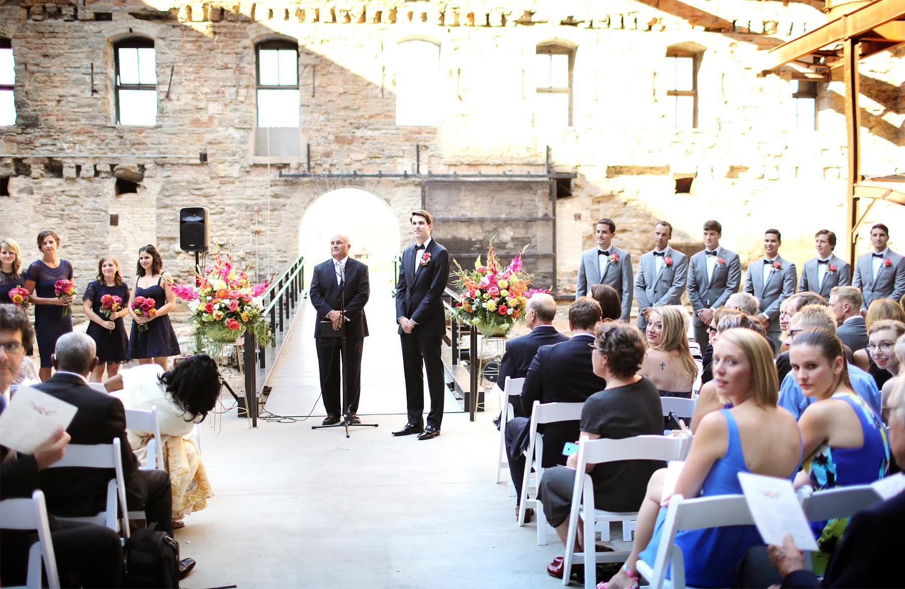 13-Minneapolis-Minnesota-Wedding-Photography-by-Vick-Photography-Downtown-Mill-City-Museum-Ceremony-Outdoor-Wedding-Lalu-&-John.jpg