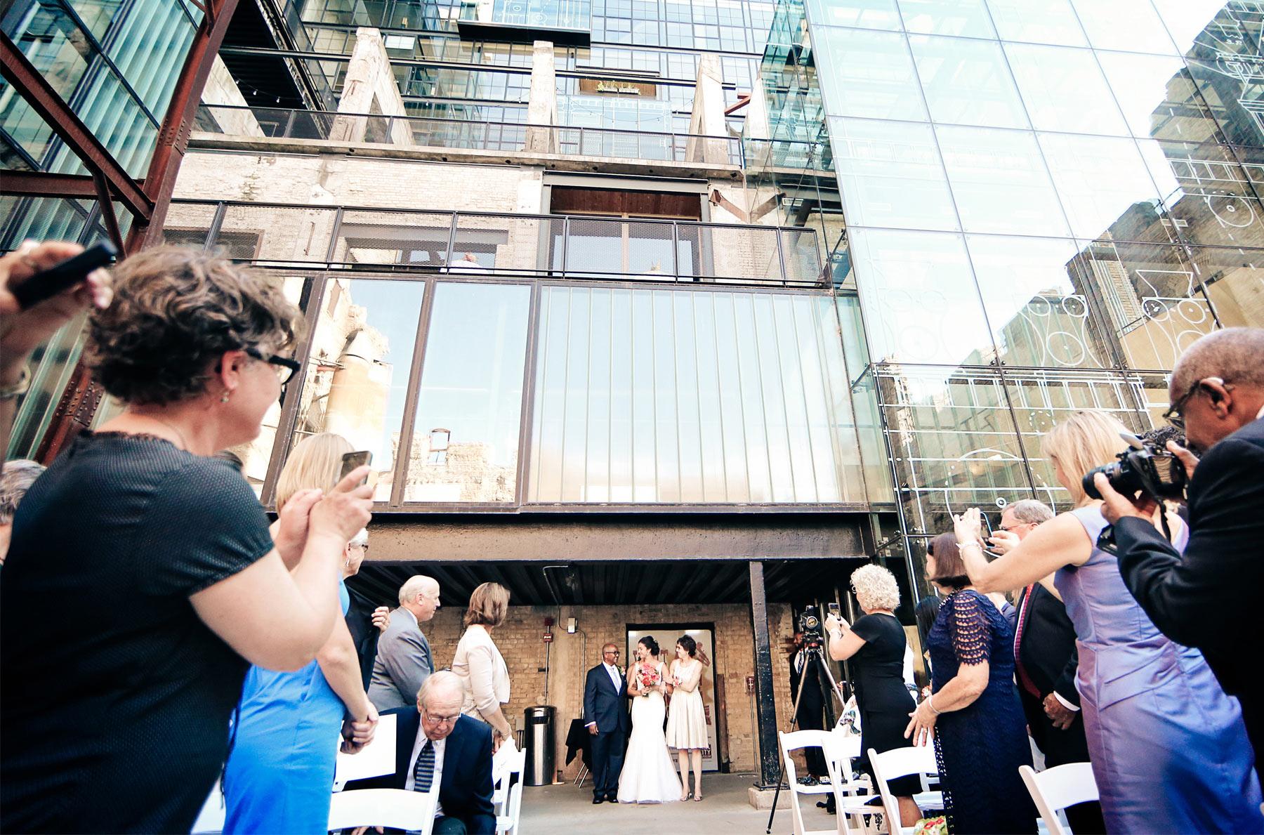 14-Minneapolis-Minnesota-Wedding-Photography-by-Vick-Photography-Downtown-Mill-City-Museum-Ceremony-Outdoor-Wedding-Lalu-&-John.jpg