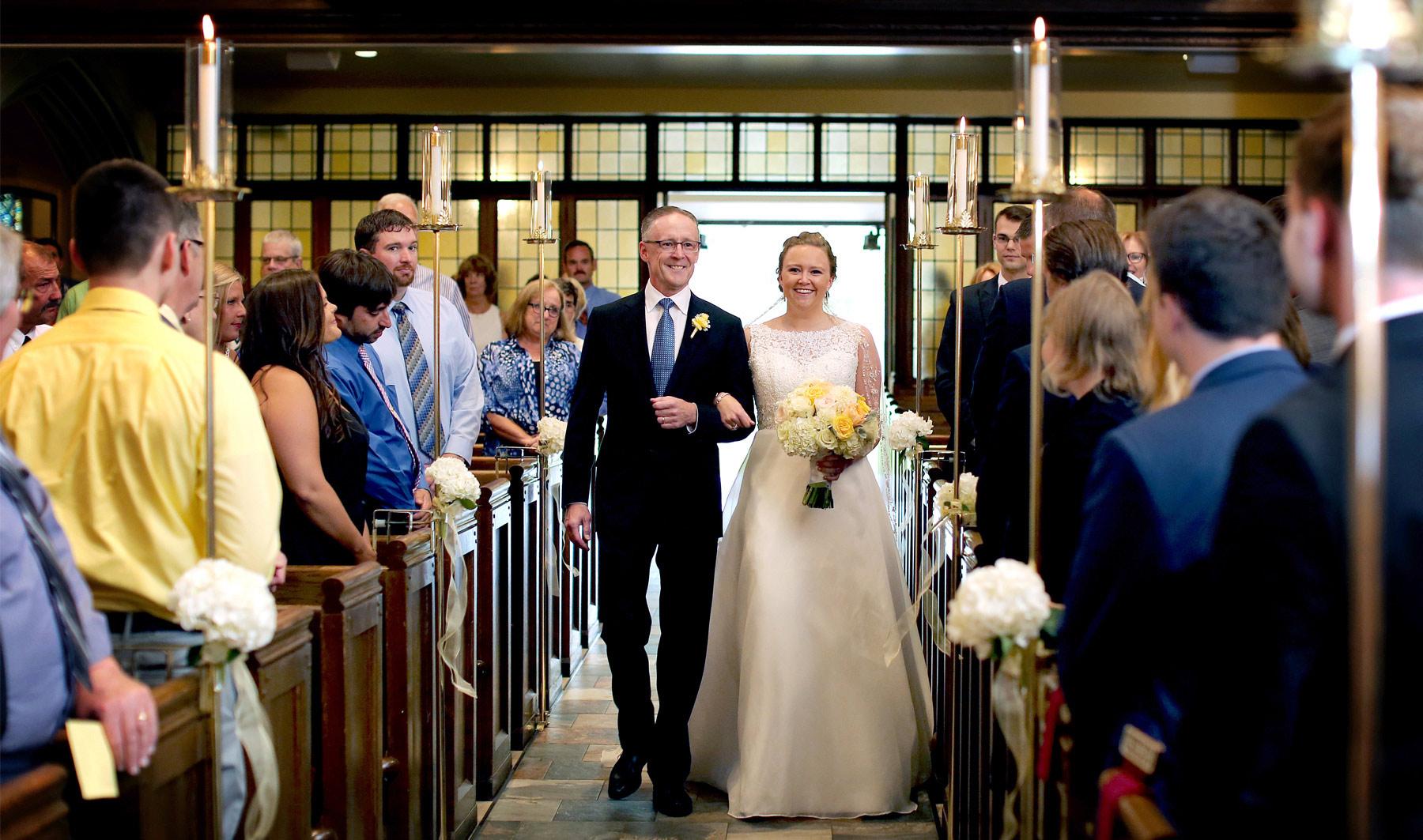 07-Minneapolis-Minnesota-Wedding-Photography-by-Vick-Photography-Edina-Bethlehem-Lutheran-Church-Ceremony-Grace-&-Nick.jpg