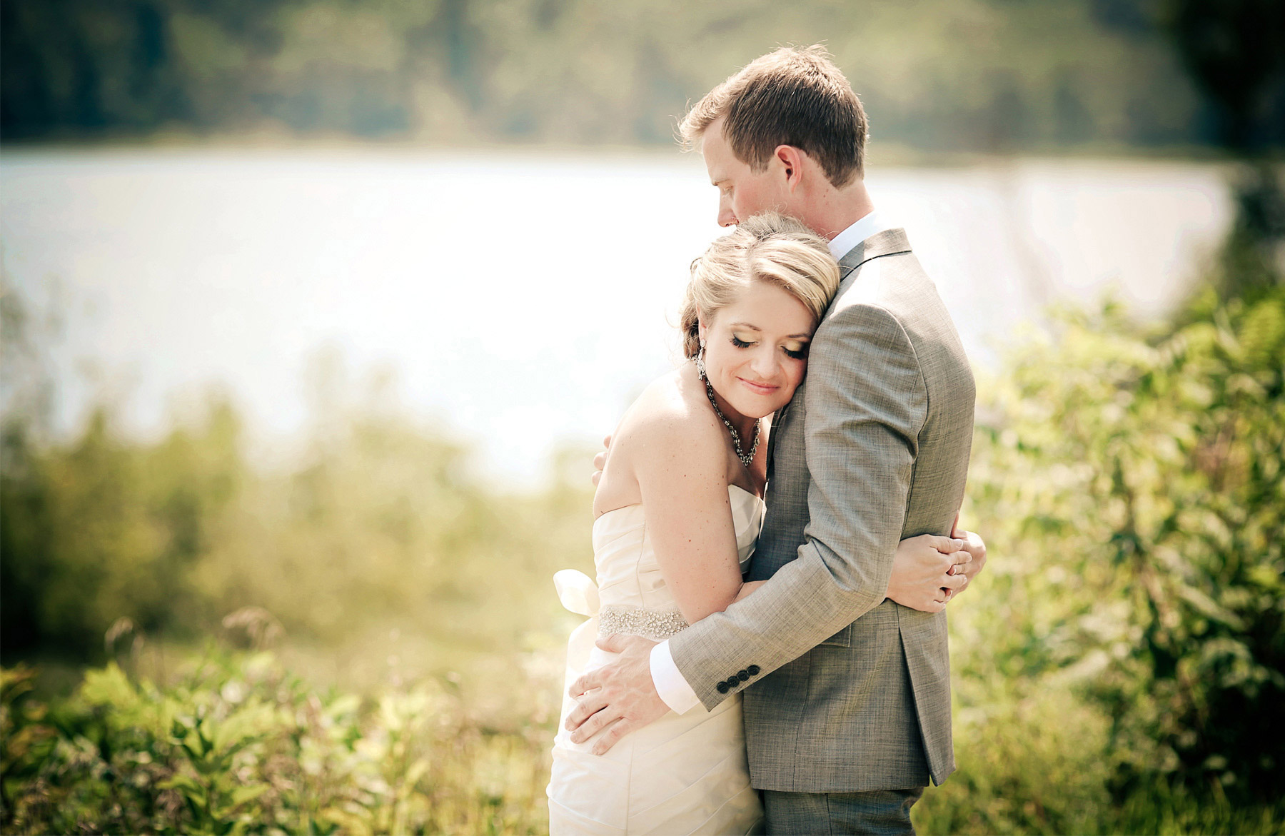 02-Brainerd-Minnesota-Wedding-Photography-by-Vick-Photography-Craguns-Resort-First-Look-Lucy-&-Matt.jpg