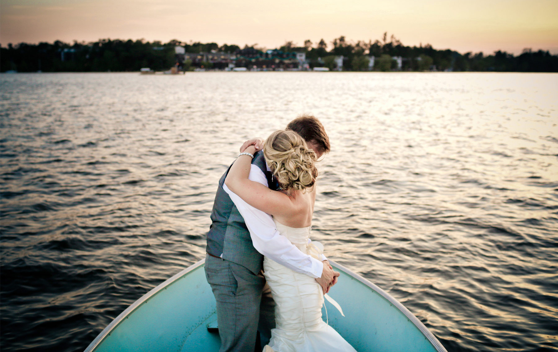 17-Brainerd-Minnesota-Wedding-Photography-by-Vick-Photography-Craguns-Resort-Lake-Boat-Lucy-&-Matt.jpg