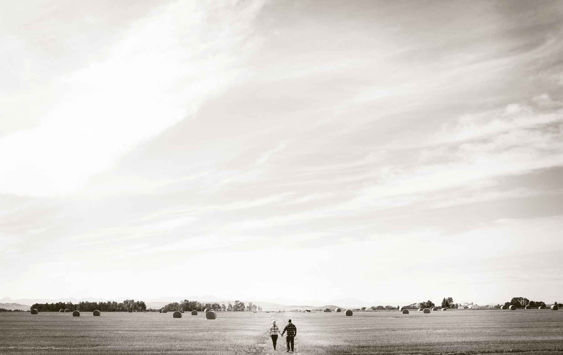 01-Bozeman-Montana-Engagement-Photos-by-Vick-Photography-Destination-Rustic-Mountain-Fields-Molly-&-Carson.jpg
