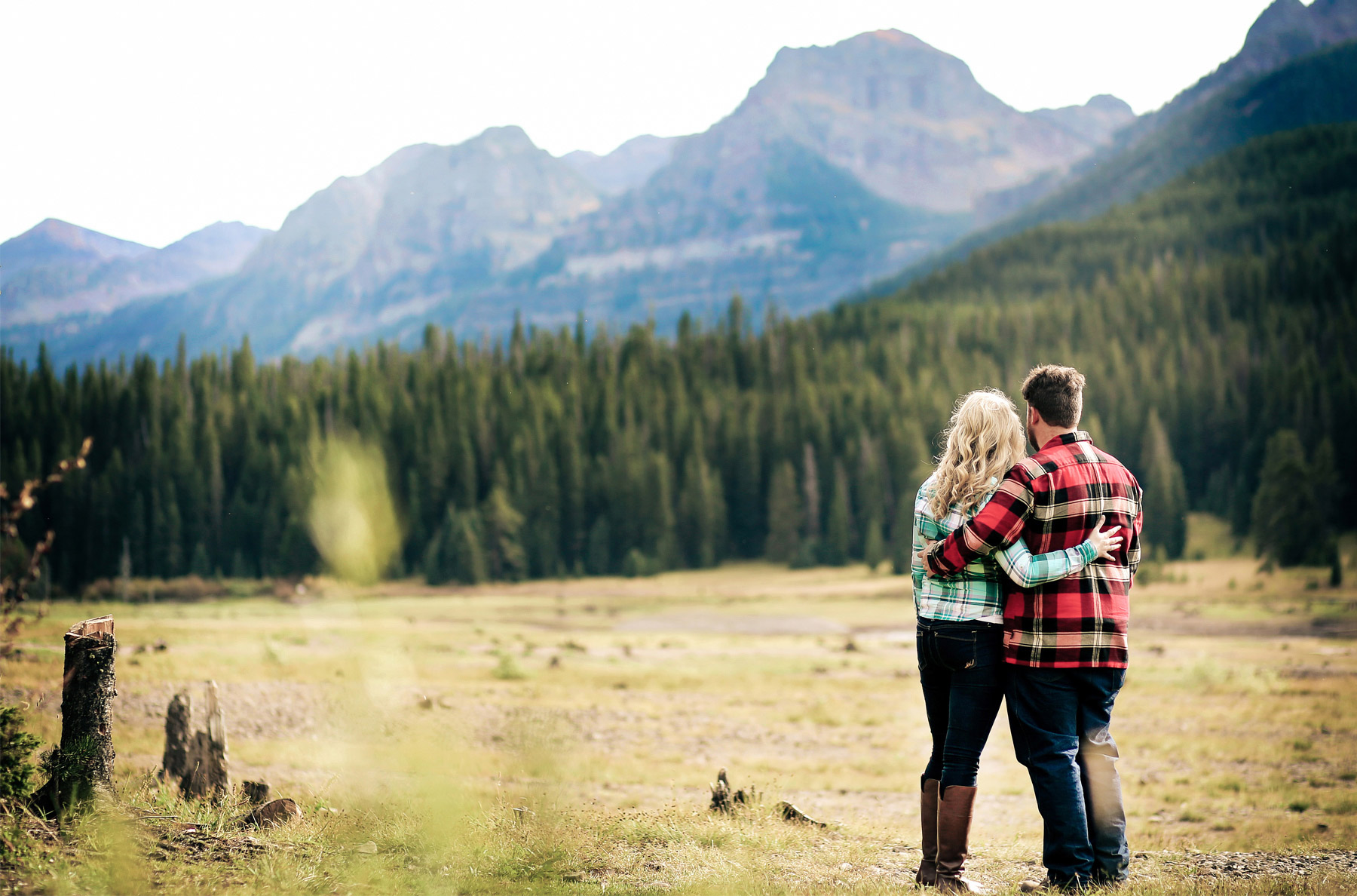 04-Bozeman-Montana-Engagement-Photos-by-Vick-Photography-Destination-Rustic-Mountain-Fields-Molly-&-Carson.jpg