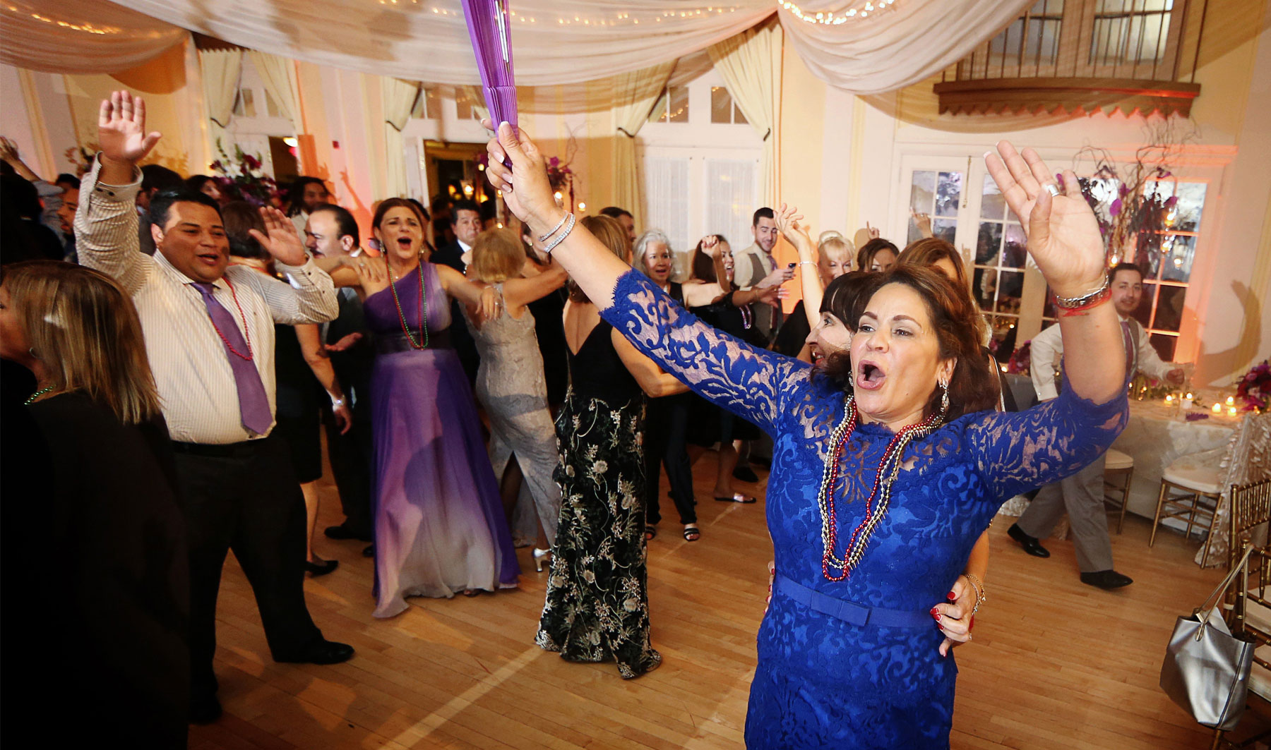 01-Minneapolis-Minnesota-Wedding-Photography-by-Vick-Photography-Crazy-Cam-Reception-Lafayette-Country-Club-Dance.jpg