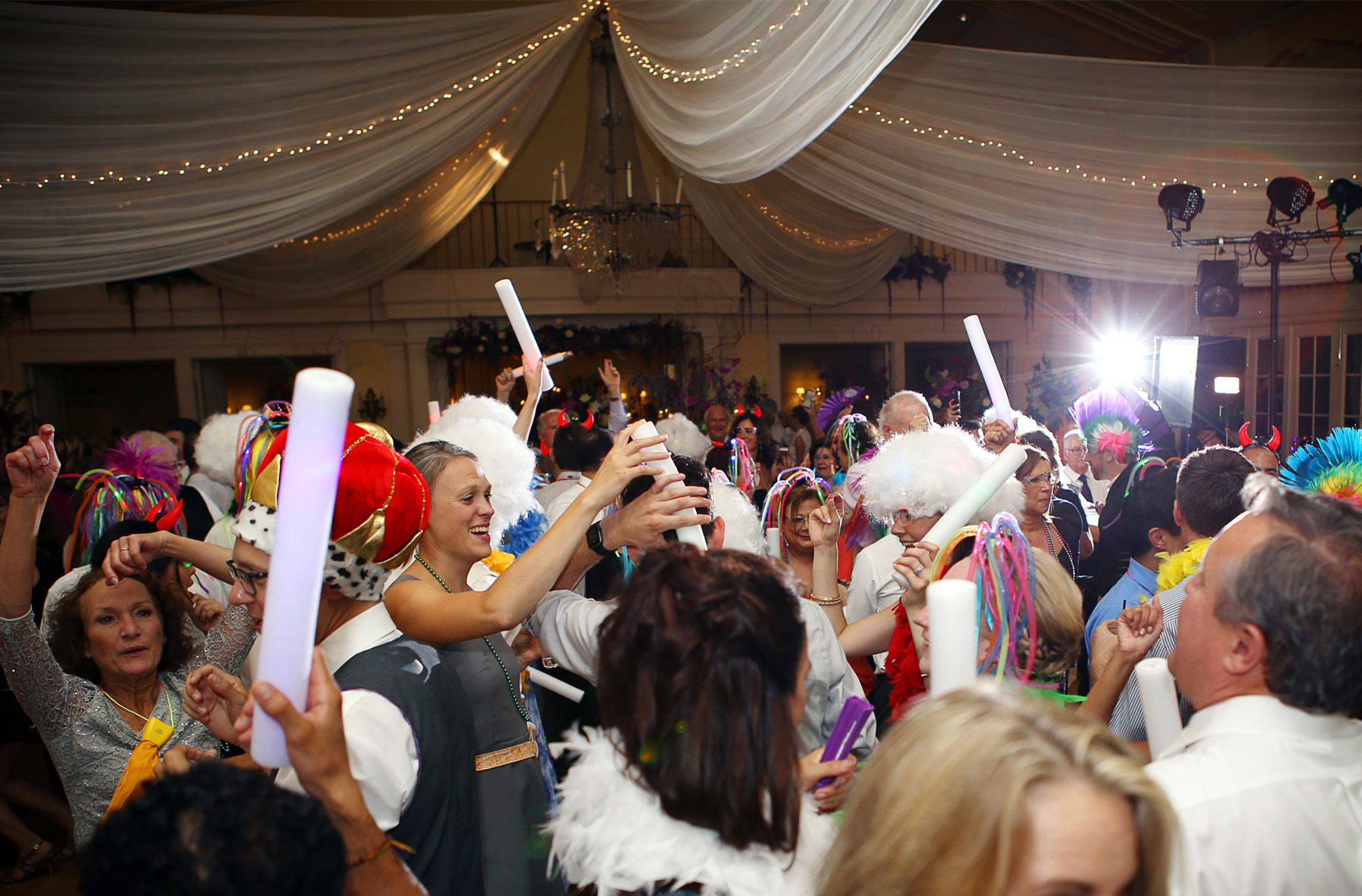 04-Minneapolis-Minnesota-Wedding-Photography-by-Vick-Photography-Crazy-Cam-Reception-Lafayette-Country-Club-Dance.jpg