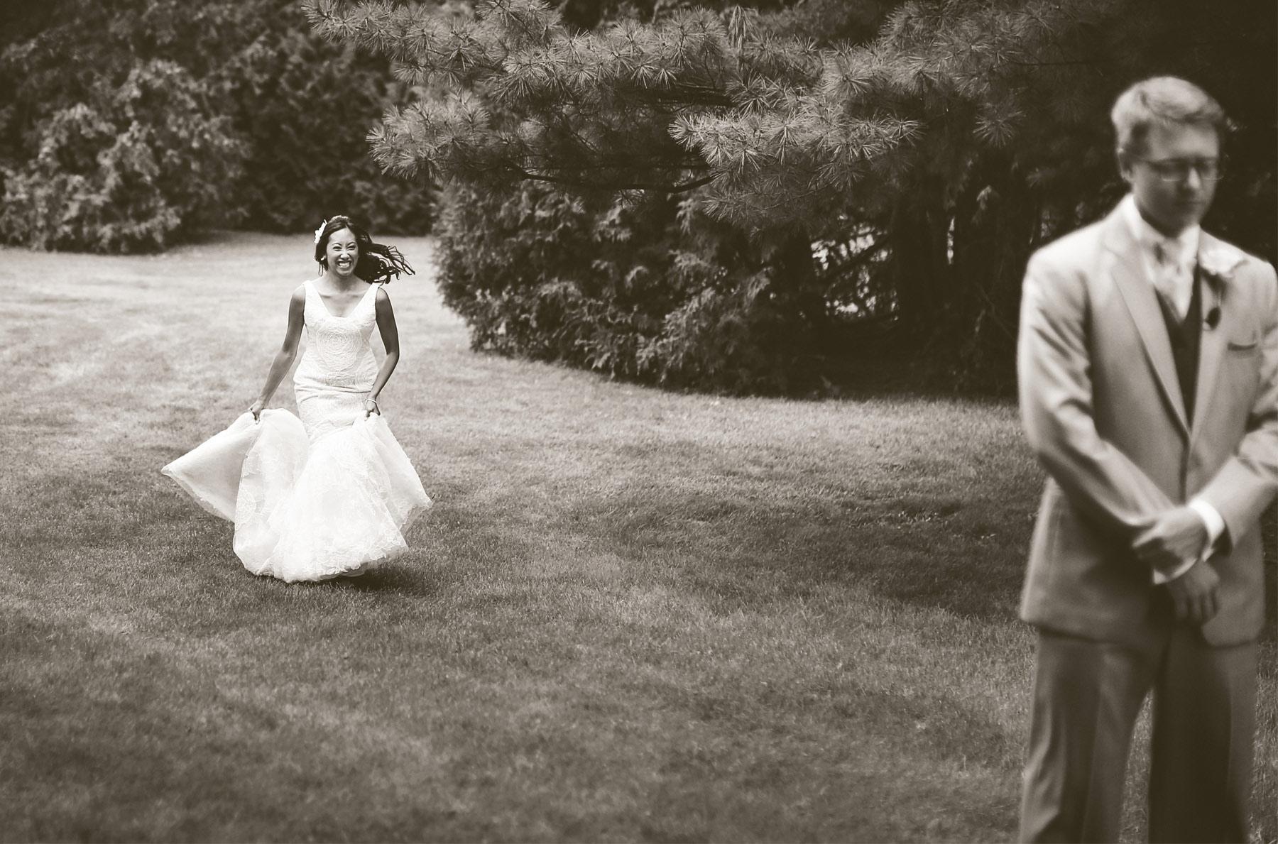 01-Minneapolis-Minnesota-Wedding-Photography-by-Vick-Photography-Garden-First-Look-Daphne-&-Austin.jpg