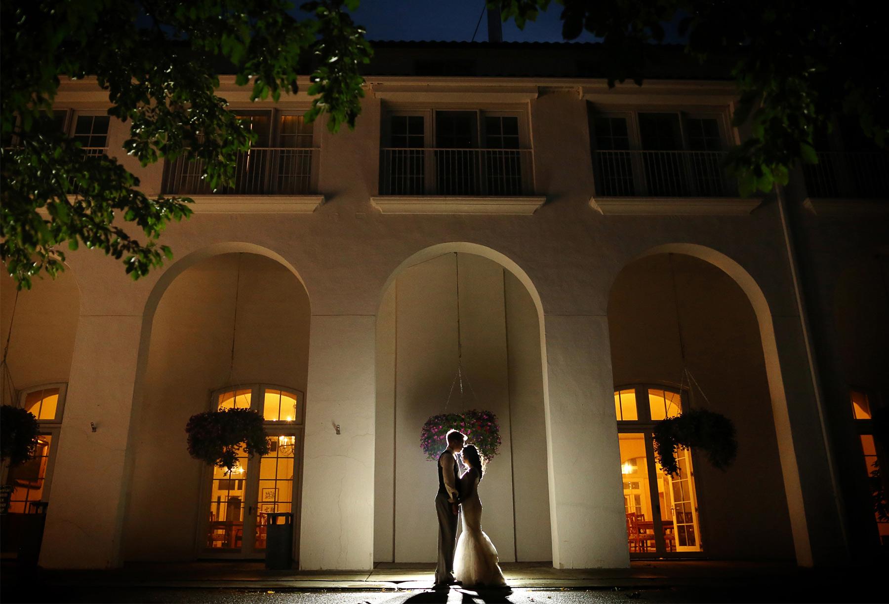 17-Minneapolis-Minnesota-Wedding-Photography-by-Vick-Photography-Lafayette-Country-Club-Night-Photography-Daphne-&-Austin.jpg
