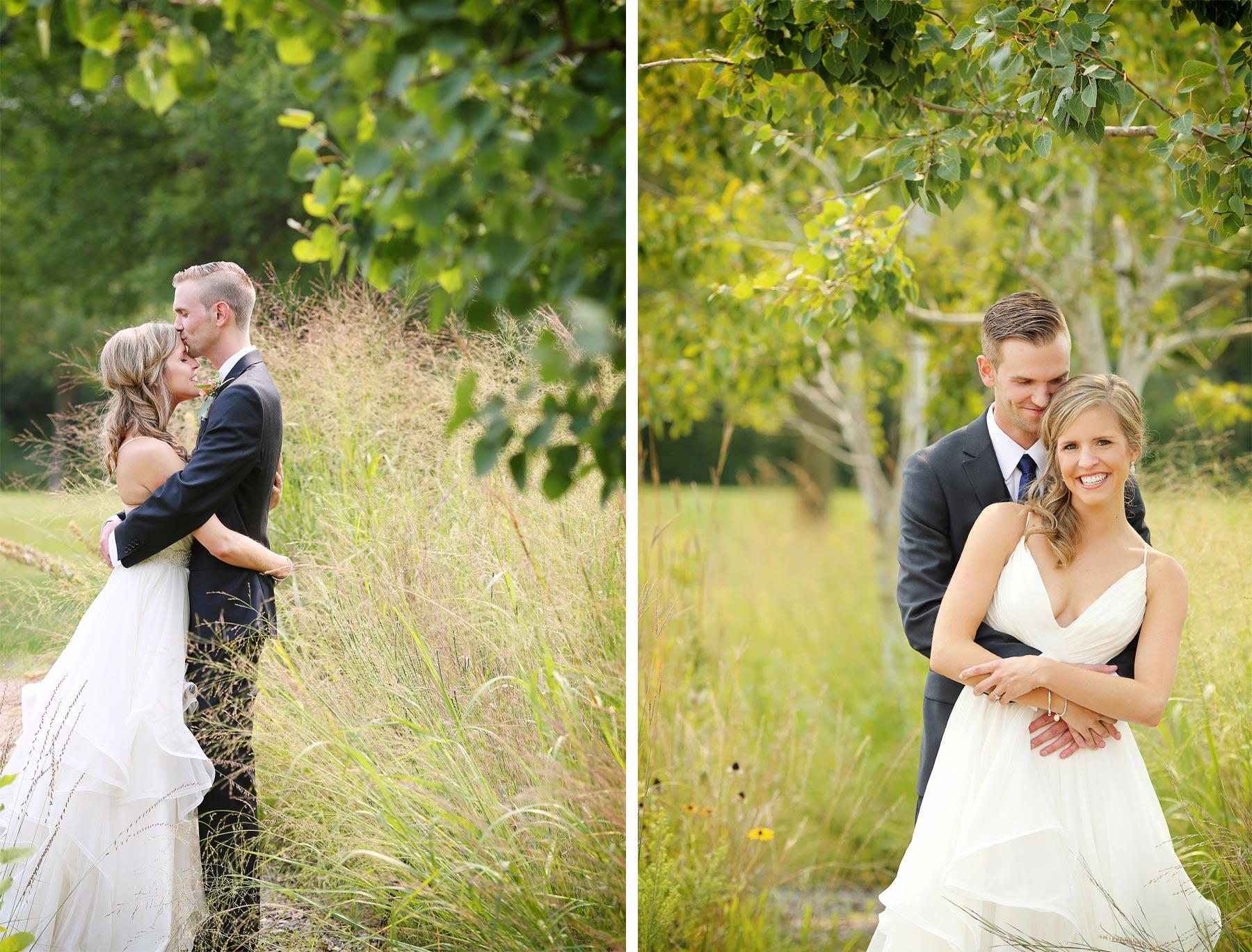 05-Minneapolis-Minnesota-Wedding-Photography-by-Vick-Photography-Field-First-Look-Jess-&-Jake.jpg