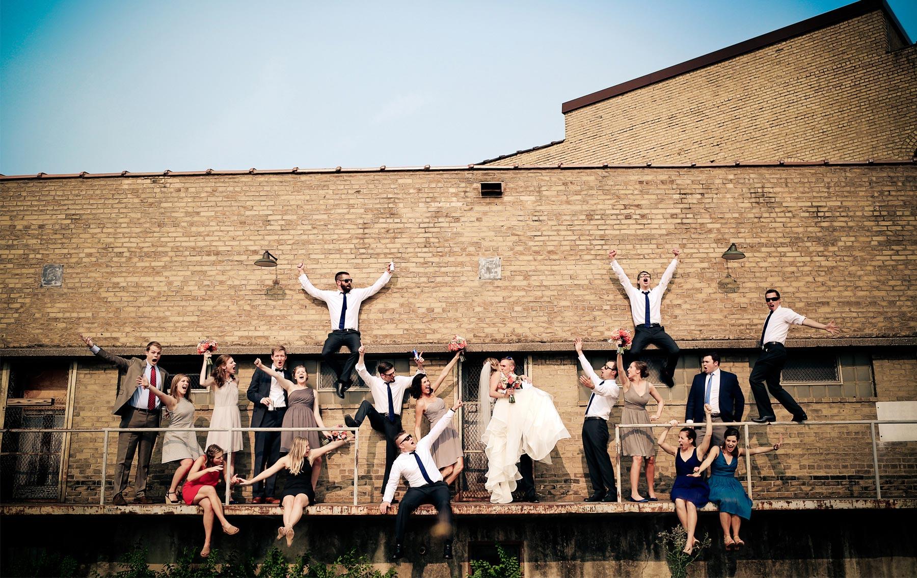 11-Minneapolis-Minnesota-Wedding-Photography-by-Vick-Photography-Wedding-Party-Group-Jess-&-Jake.jpg