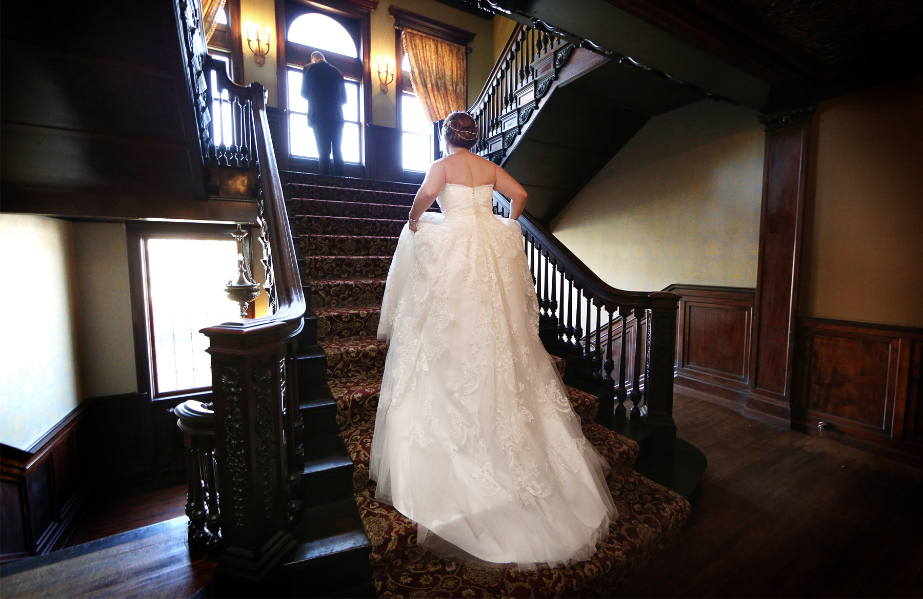 04-Minneapolis-Minnesota-Wedding-Photography-by-Vick-Photography-Semple-Mansion-First-Look-Caitlin-&-Derrick.jpg
