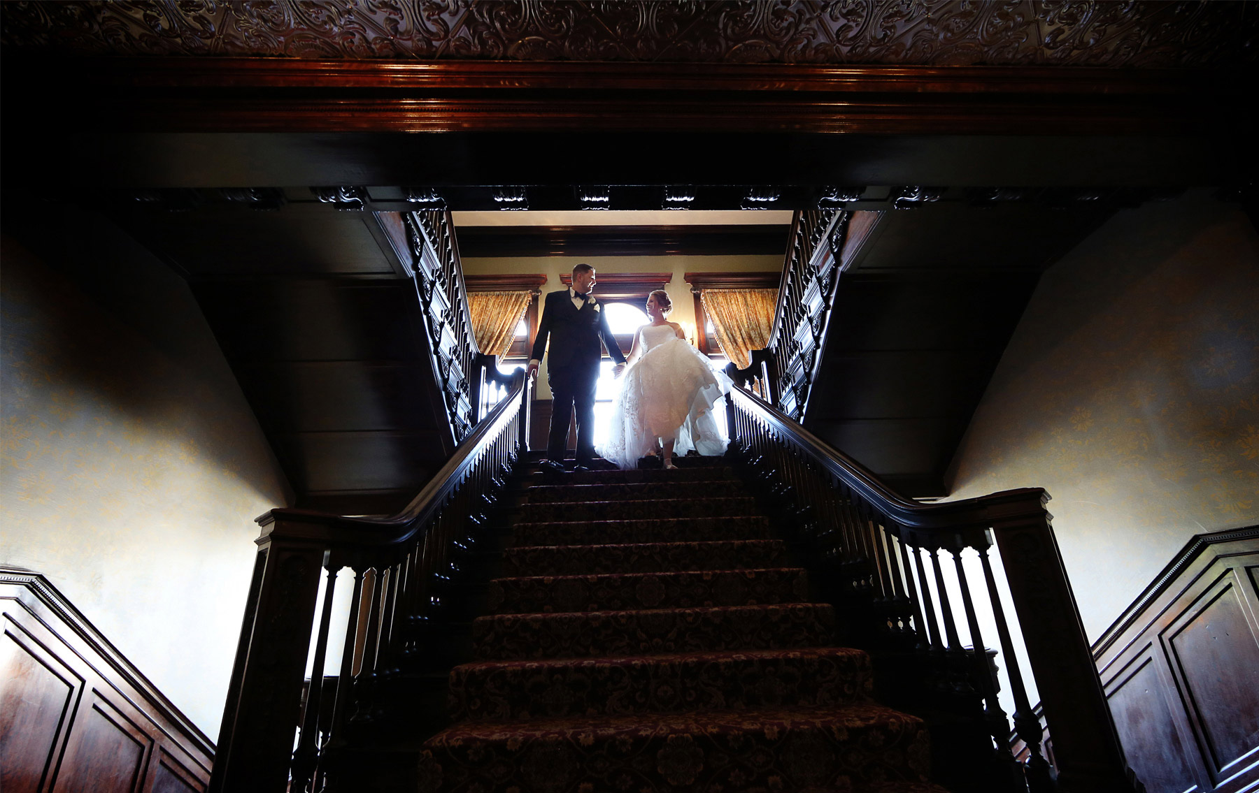 07-Minneapolis-Minnesota-Wedding-Photography-by-Vick-Photography-Semple-Mansion-First-Look-Caitlin-&-Derrick.jpg