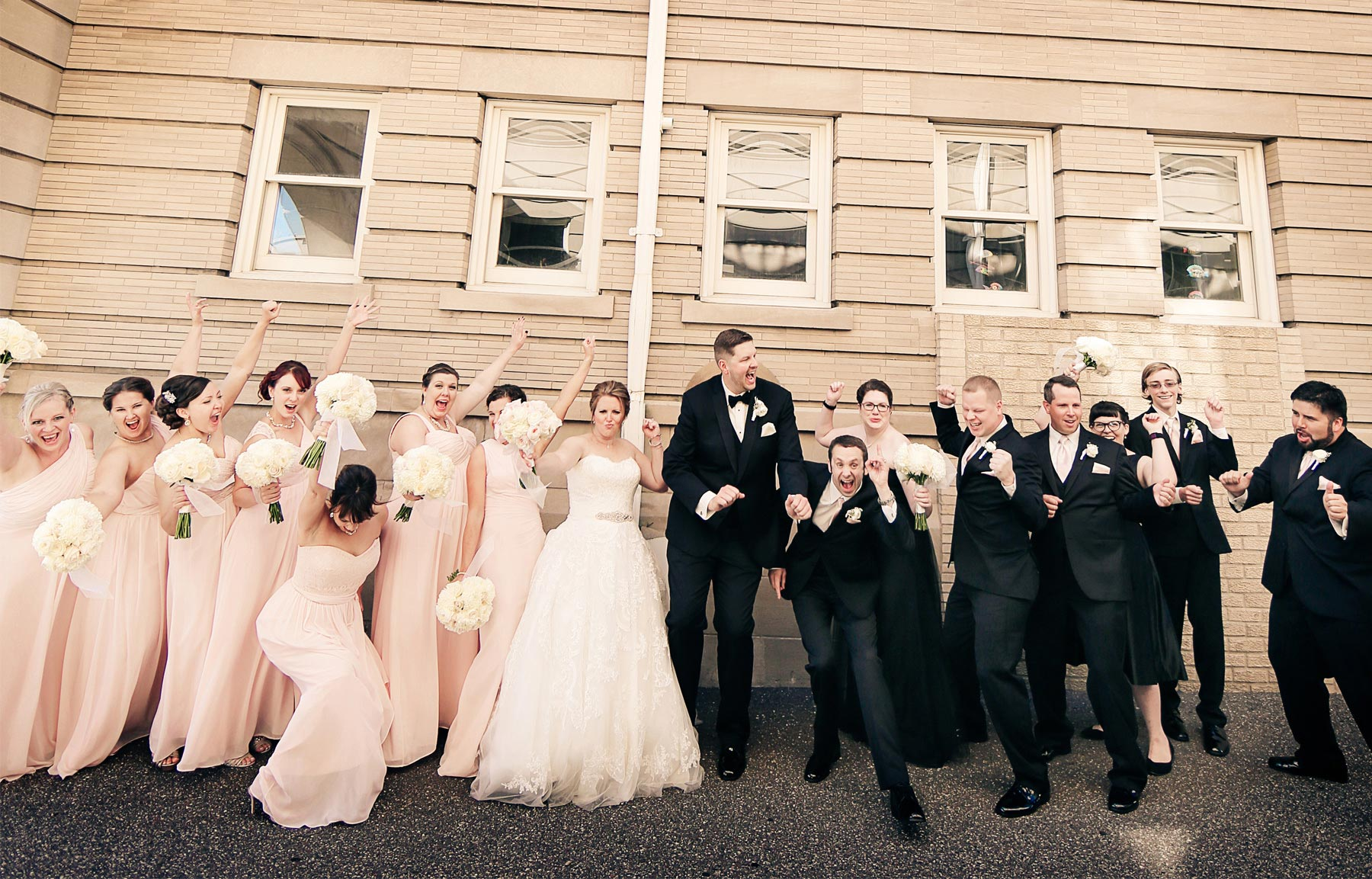 09-Minneapolis-Minnesota-Wedding-Photography-by-Vick-Photography-Semple-Mansion-Wedding-Party-Groups-Caitlin-&-Derrick.jpg