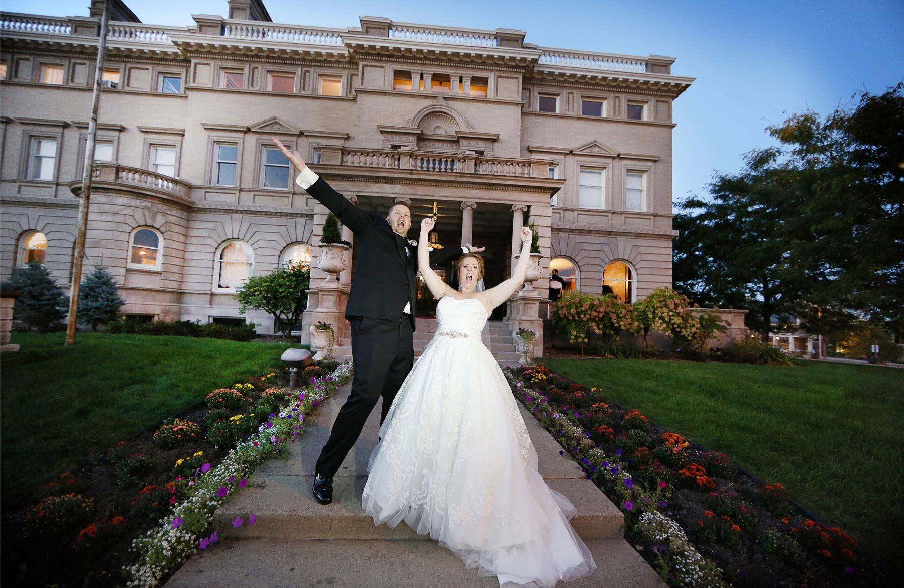16-Minneapolis-Minnesota-Wedding-Photography-by-Vick-Photography-Semple-Mansion-Celebration-Caitlin-&-Derrick.jpg