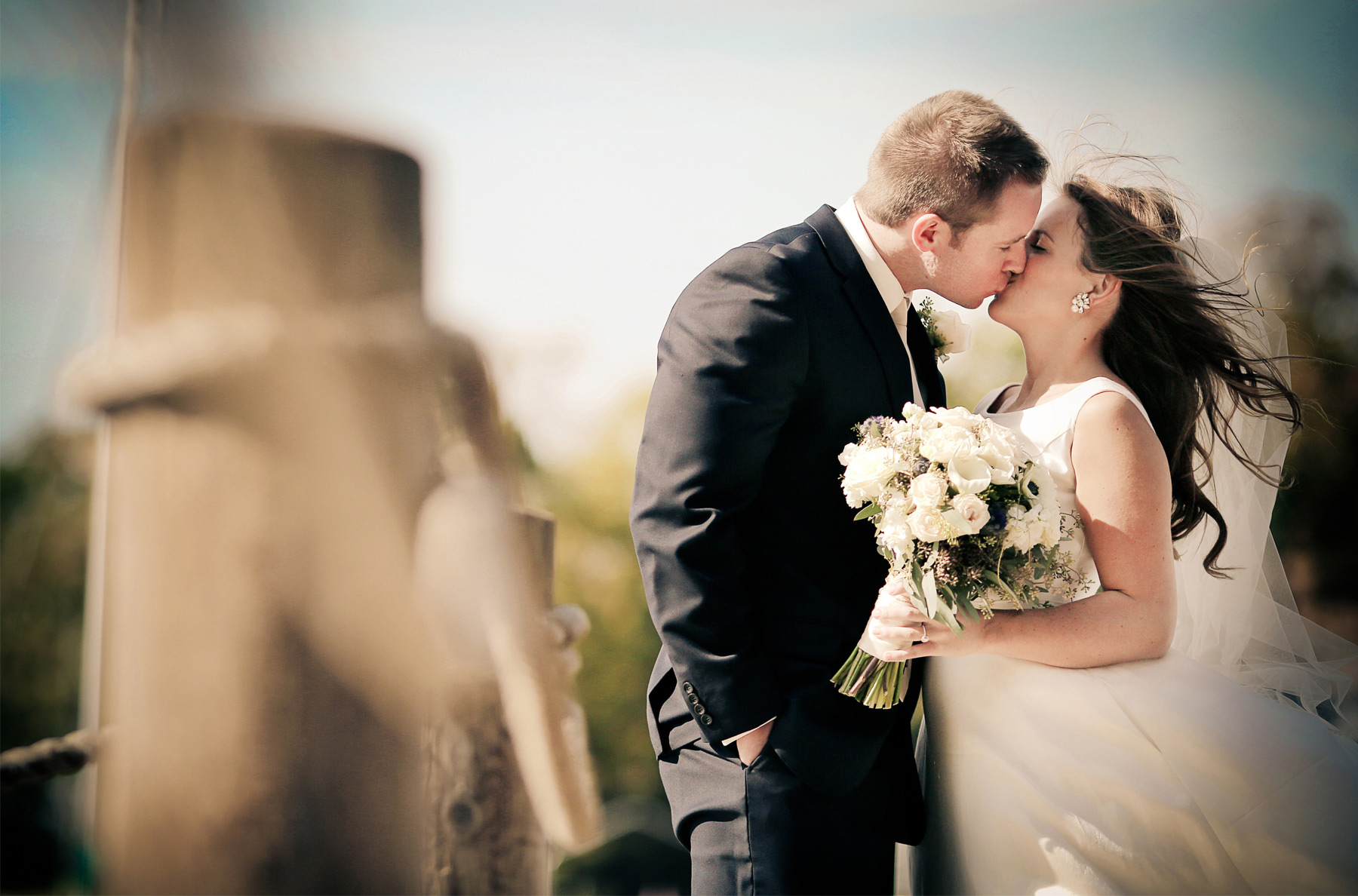 06-Minneapolis-Minnesota-Wedding-Photography-by-Vick-Photography-Lake-Dock-Elle-and-Tyler.jpg
