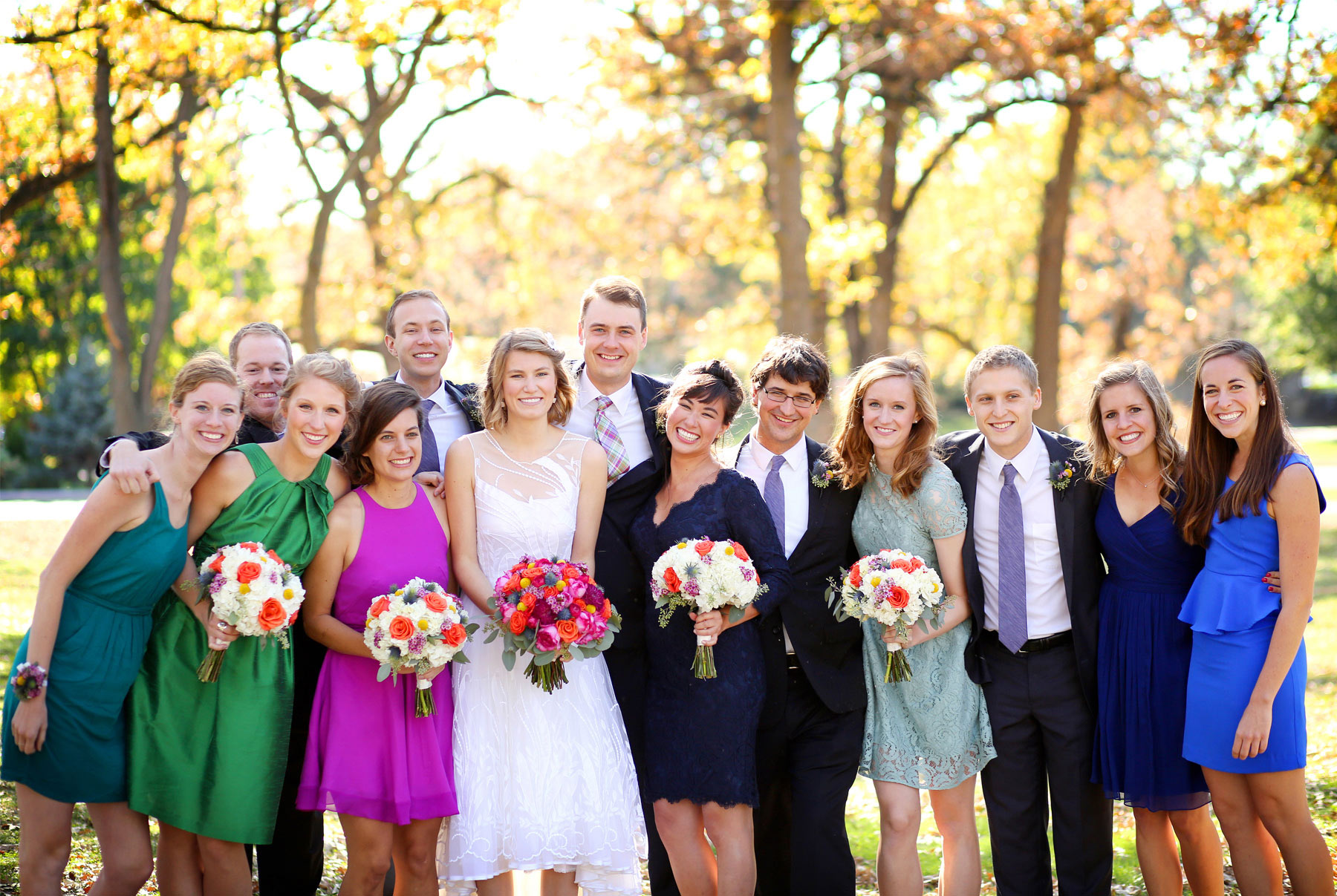 07-Minneapolis-Minnesota-Wedding-Photography-by-Vick-Photography-Fall-Colors-Autumn-Leaves-Wedding-Party-Group-Madeline-&-Matt.jpg