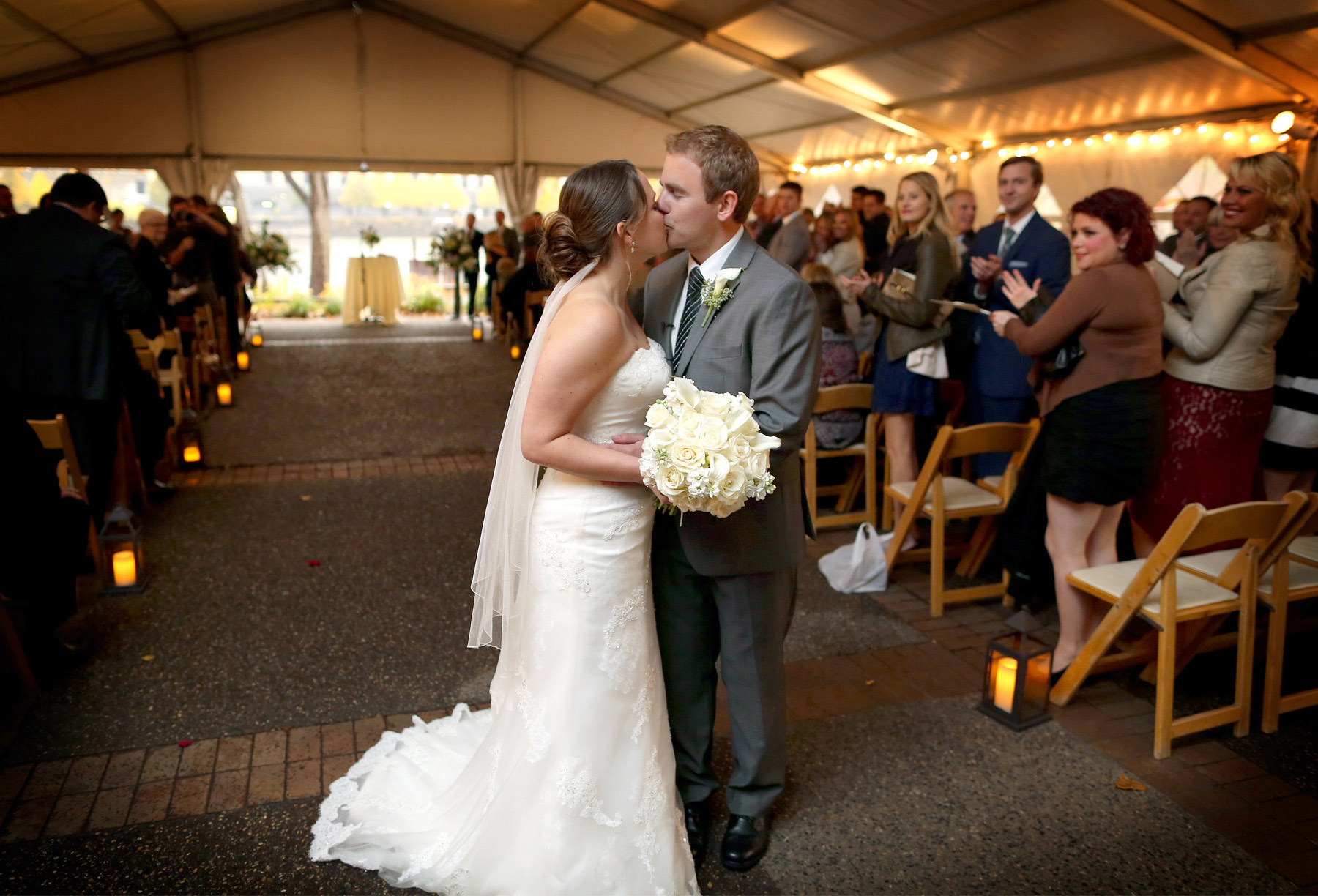 08-Minneapolis-Minnesota-Wedding-Photography-Downtown-Rain-Nicollet-Island-Pavilion-Outdoor-Ceremony-Kalley-and-Ben.jpg