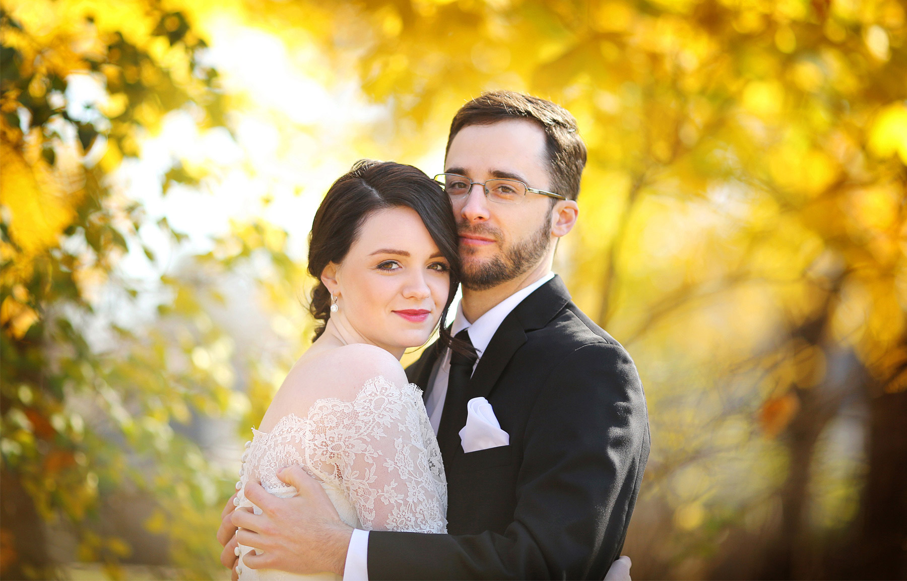 06-Minneapolis-Minnesota-Wedding-Photography-by-Vick-Photography-Fall-Colors-Autumn-Leaves-Sarah-and-Patrick.jpg