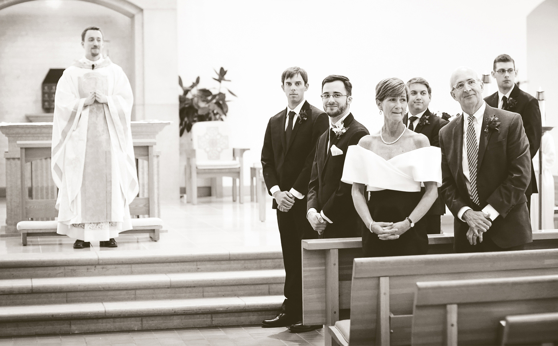 08-Minneapolis-Minnesota-Wedding-Photography-by-Vick-Photography-Our-Lady-of-Grace-Church-Ceremony-Sarah-and-Patrick.jpg