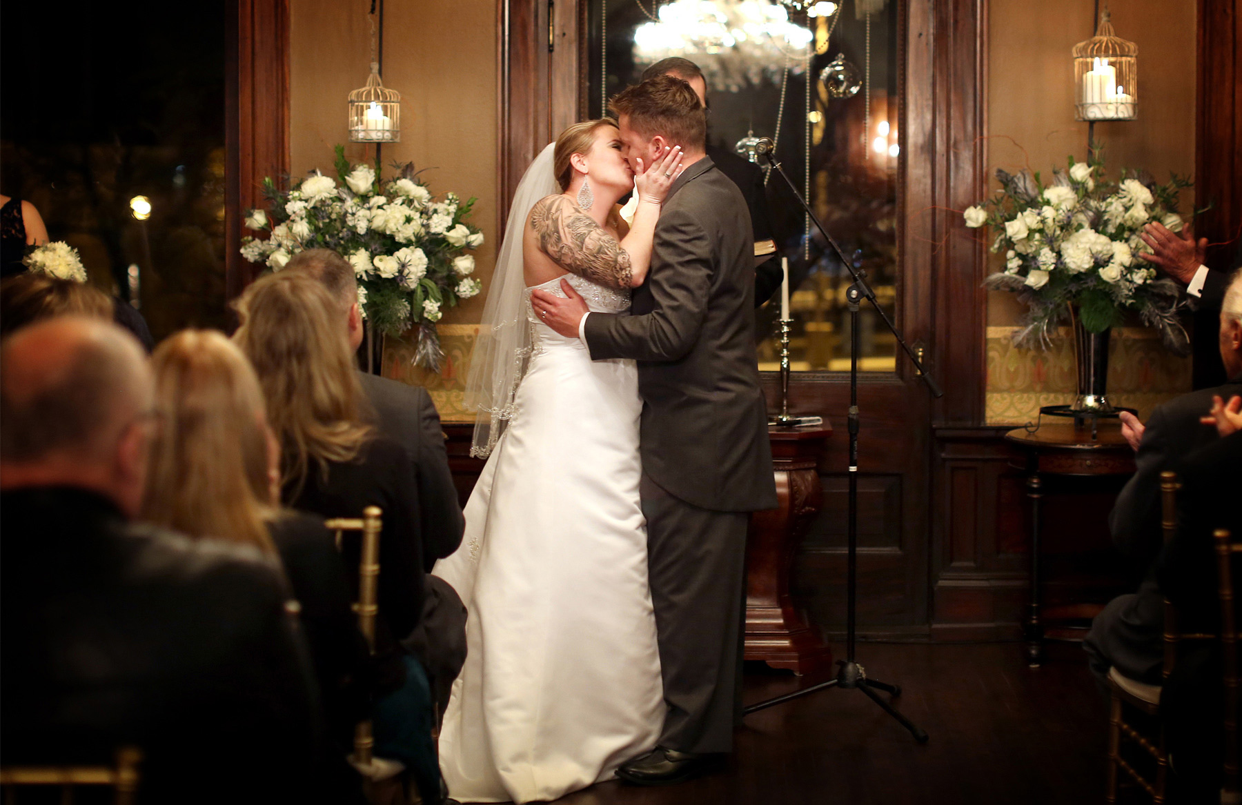10-Minneapolis-Minnesota-Wedding-Photography-by-Vick-Photography-Semple-Mansion-Ceremony-Ariel-and-Jared.jpg