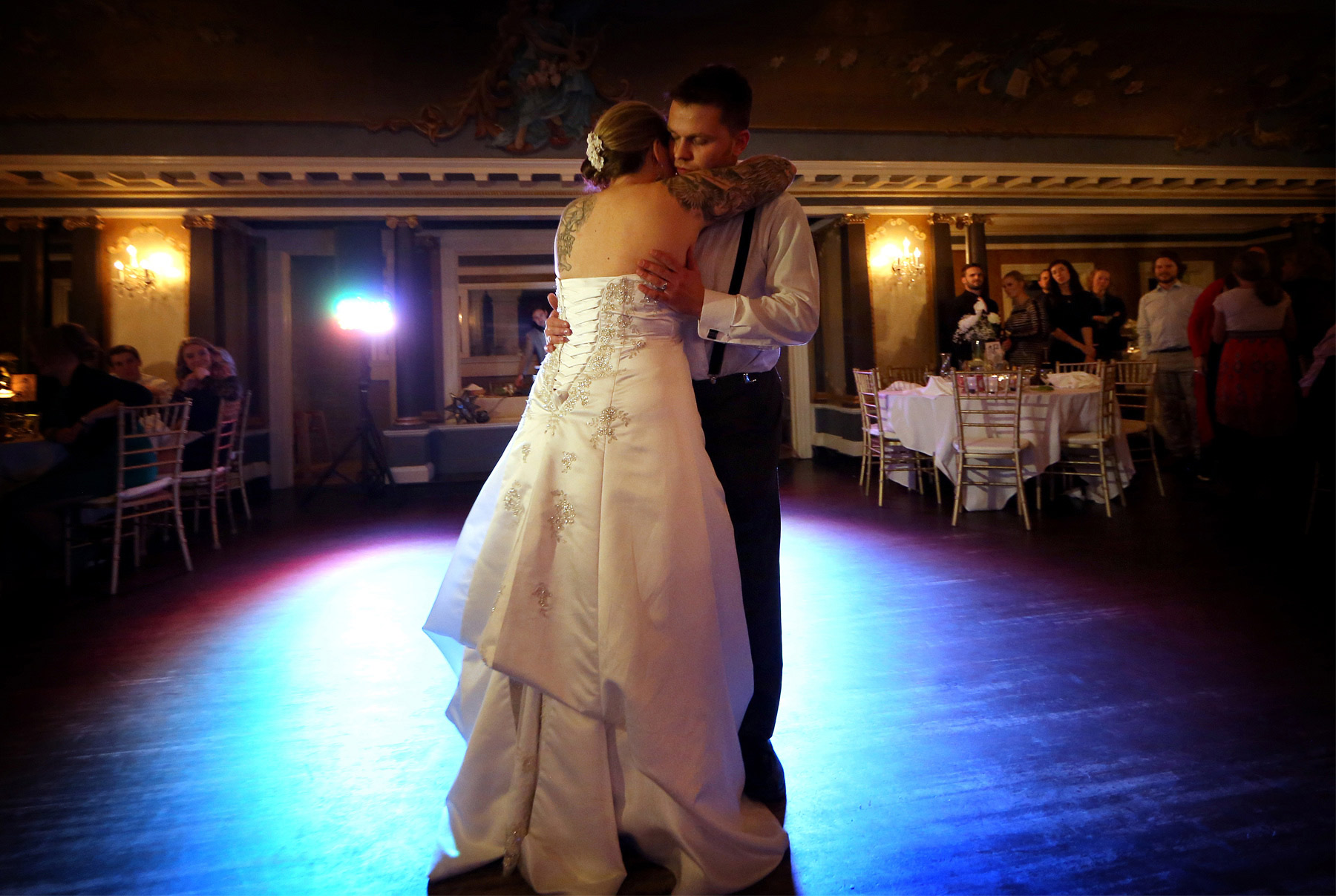 12-Minneapolis-Minnesota-Wedding-Photography-by-Vick-Photography-Semple-Mansion-Reception-First-Dance-Ariel-and-Jared.jpg
