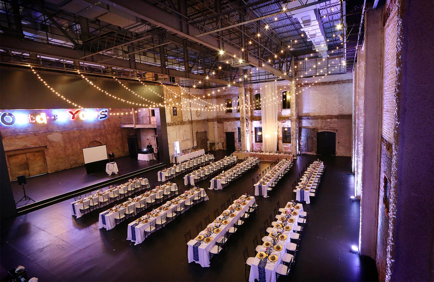 15-Minneapolis-Minnesota-Wedding-Photography-Aria-Reception-Decor-Downtown-Industrial-Heidi-and-Peter.jpg