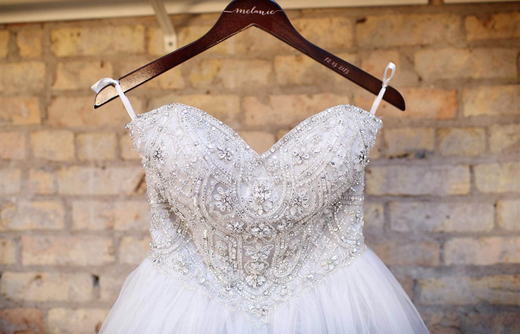 01-Minneapolis-Minnesota-Wedding-Photography-Aria-Downtown-Industrial-Bride-Dress-Melanie-and-Andrew.jpg